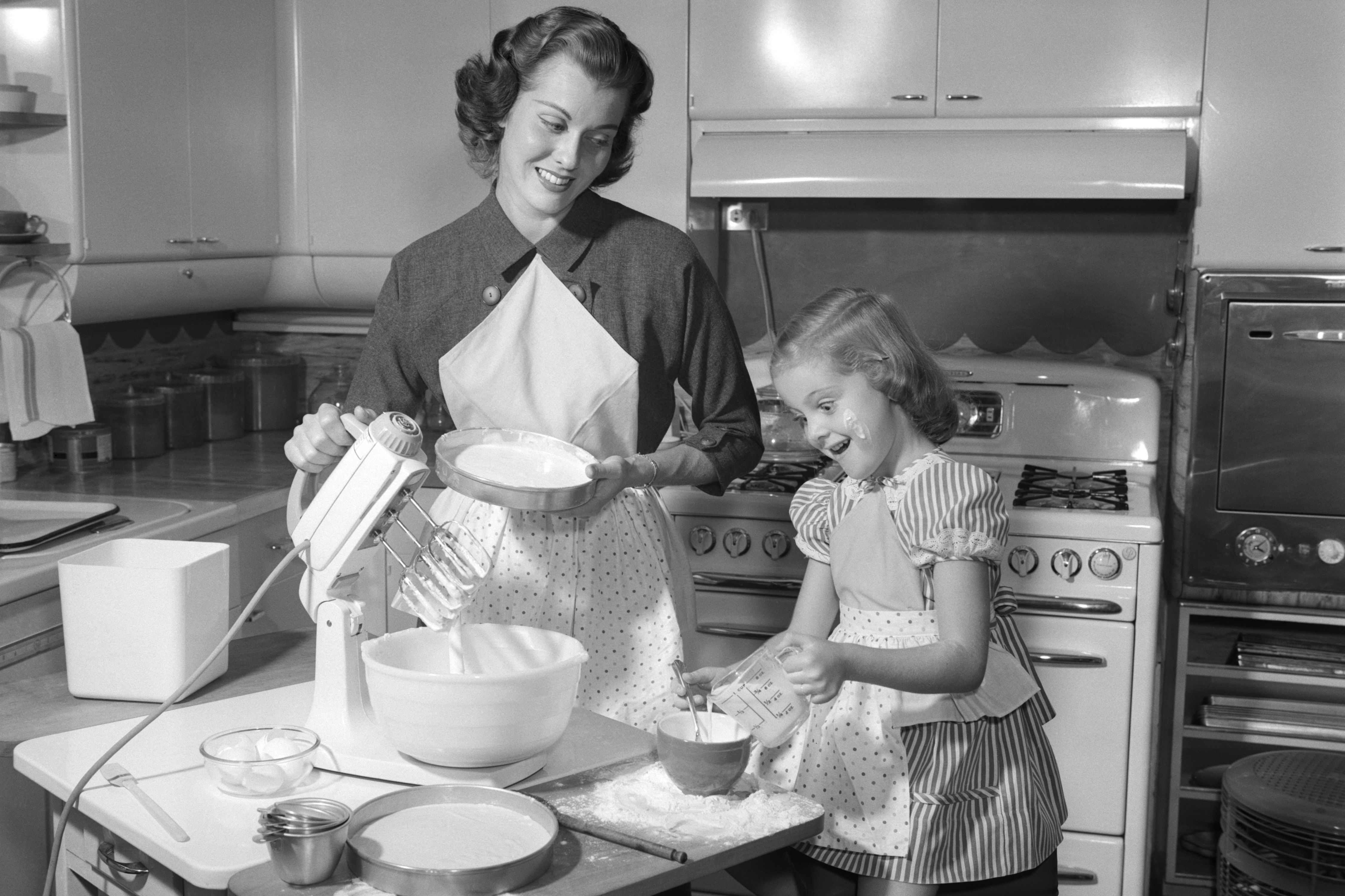 9 Things You Do in the Kitchen Because Your Mom Did—But Should Stop