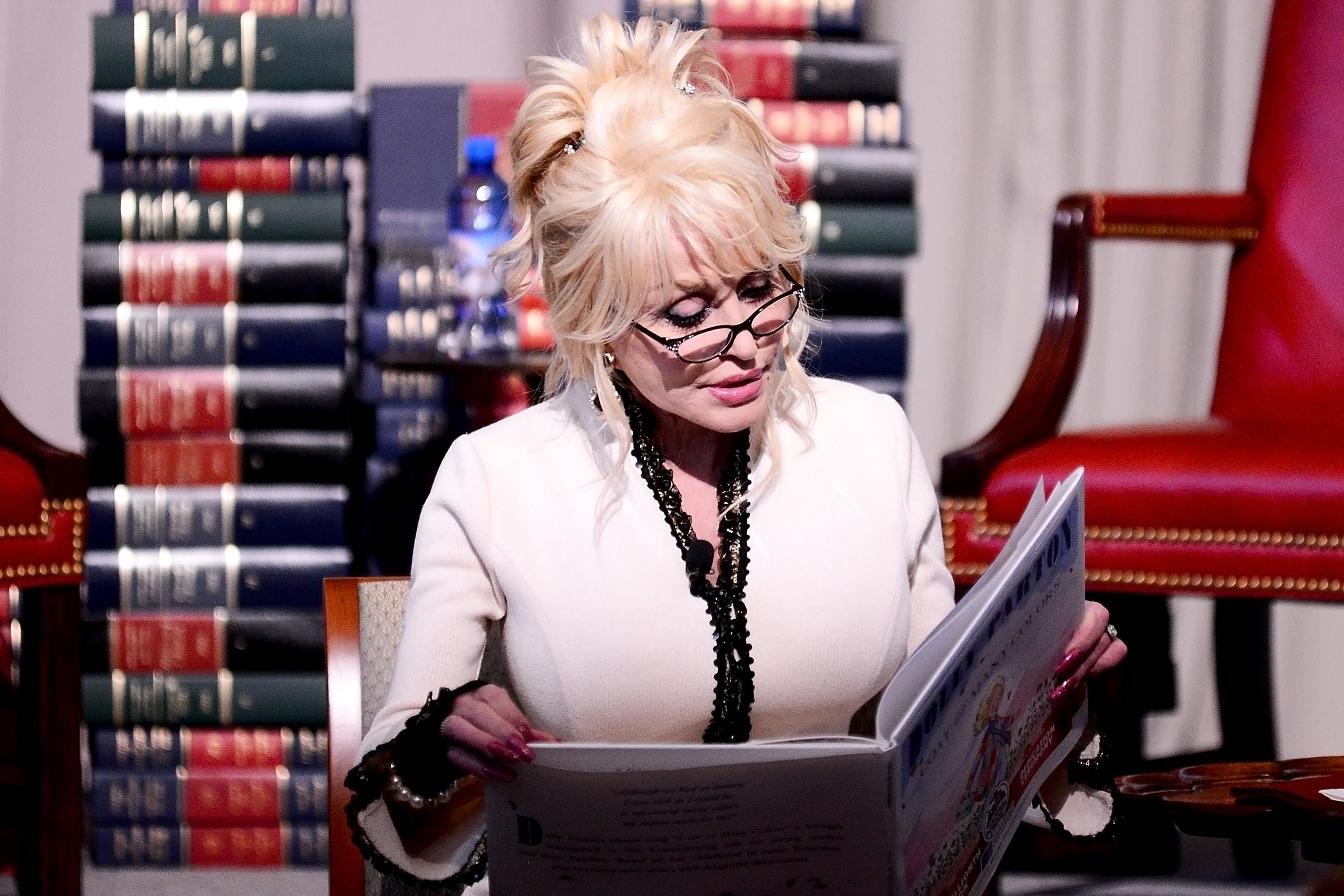 Dolly Parton Just Donated Her 100 Millionth Book