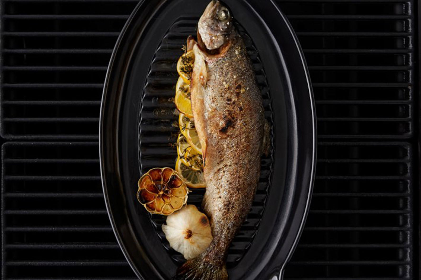 This Ceramic Grill Pan Is a Foolproof Way to Upgrade Grilled Fish