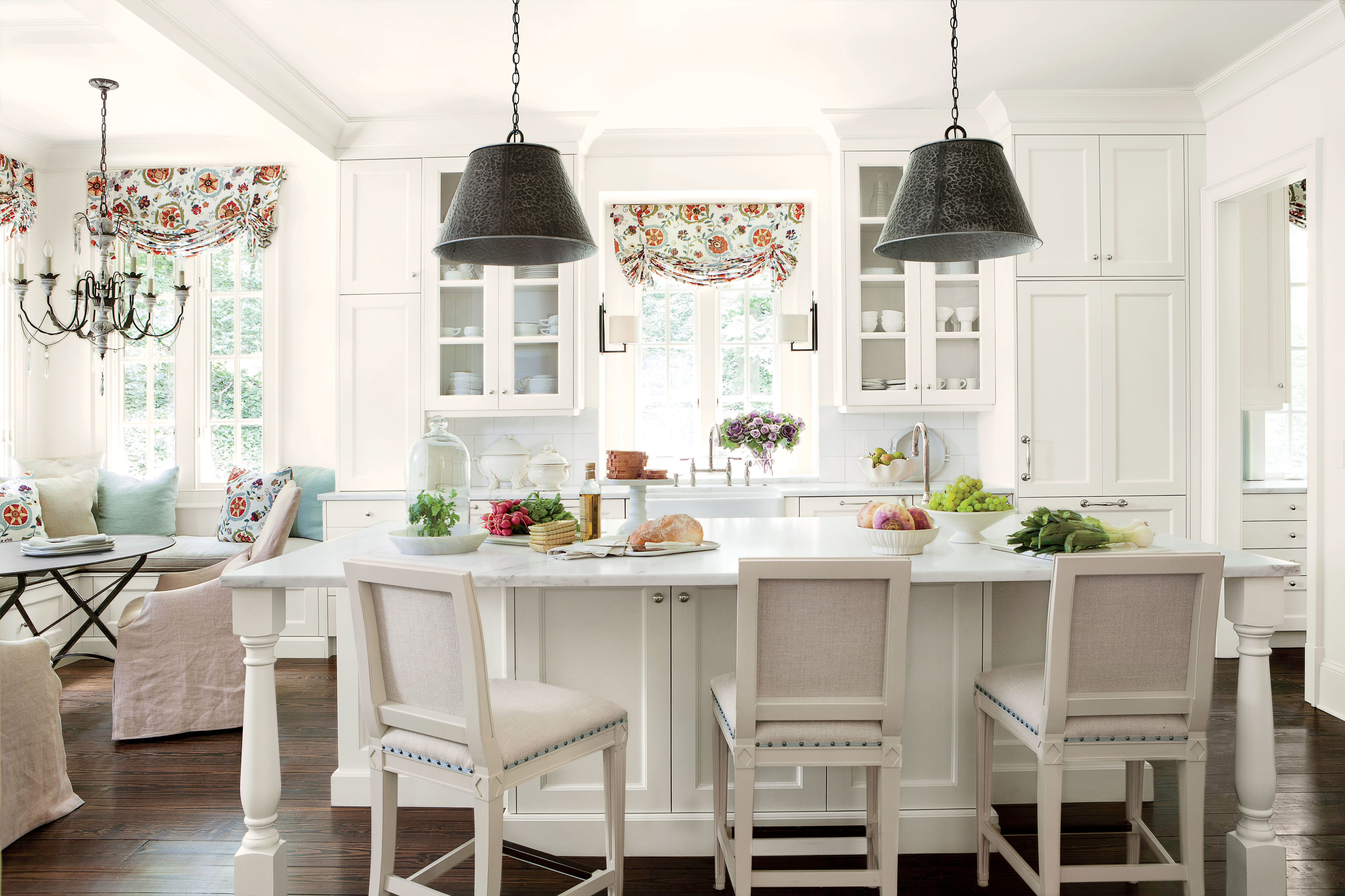 The One Thing to Know Before Choosing a White Backsplash