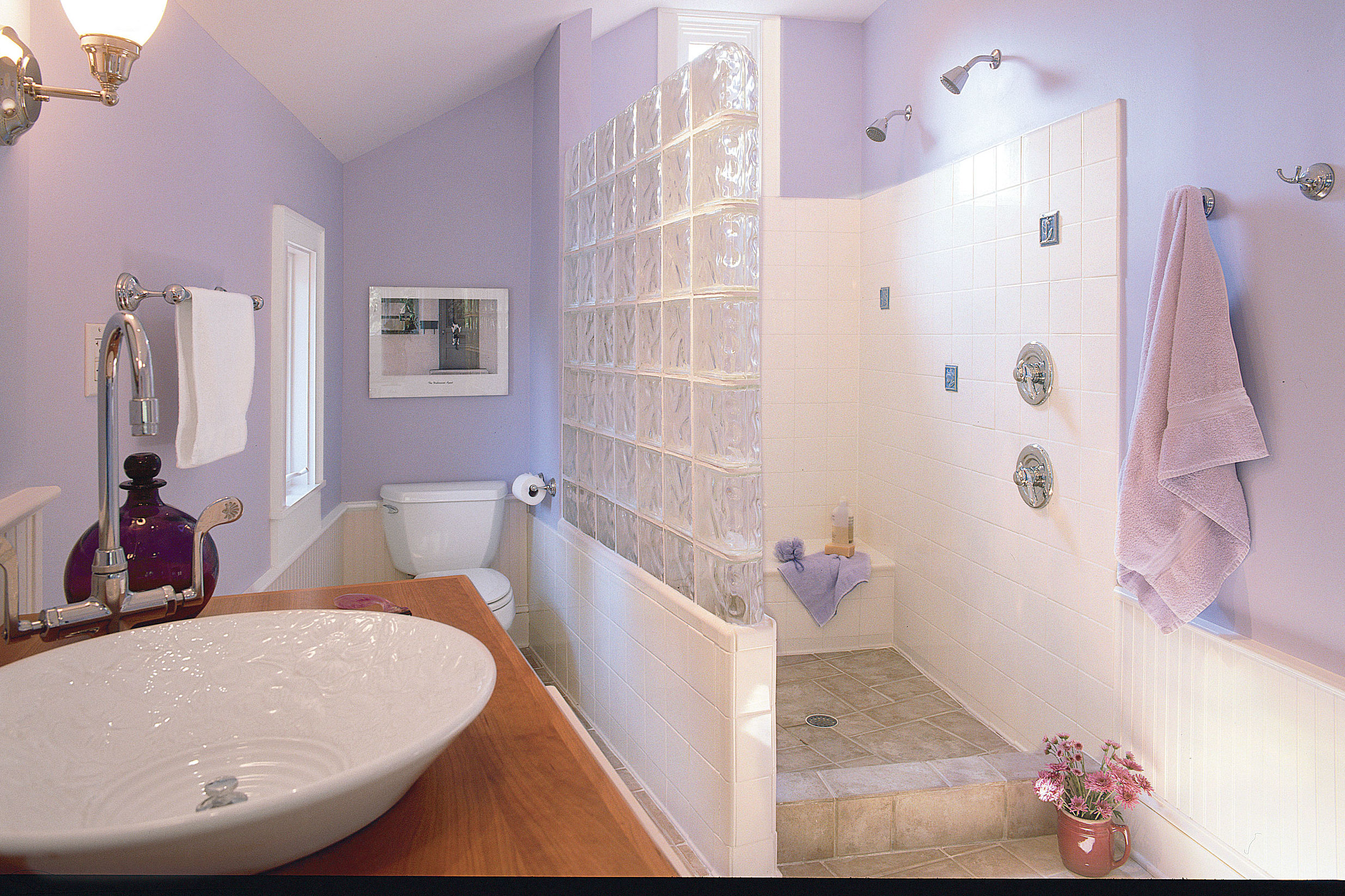 Pastel Colors: Pretty Master Bath
