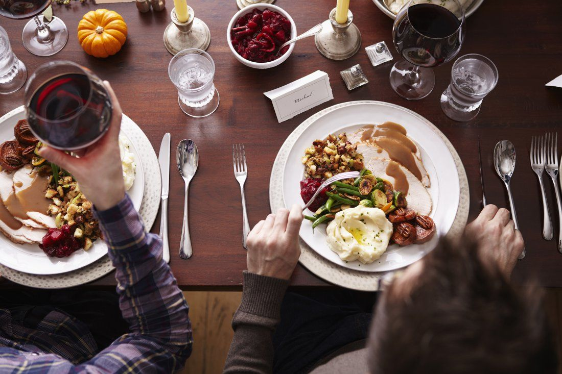 How to Host Your First Thanksgiving Without Going Broke