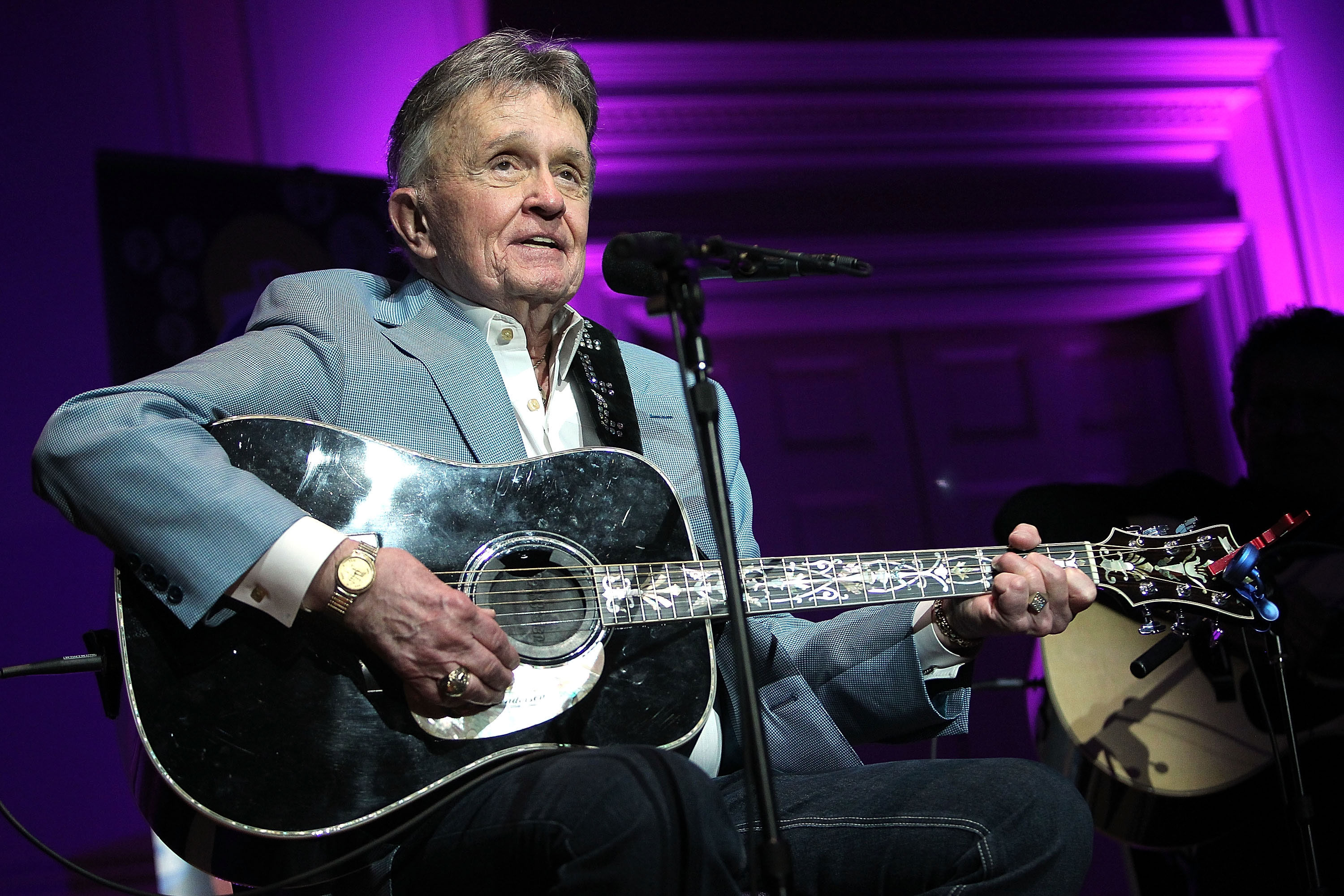 Whisperin' Bill Anderson On His New Book, Cornbread, and the Future of Country