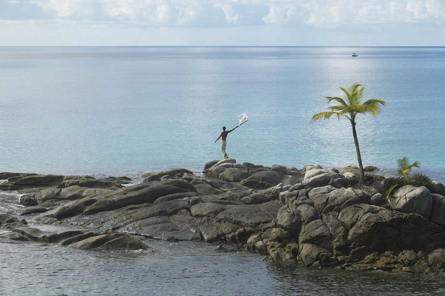 Animal Planet TV Crew Finds Man on Deserted Island