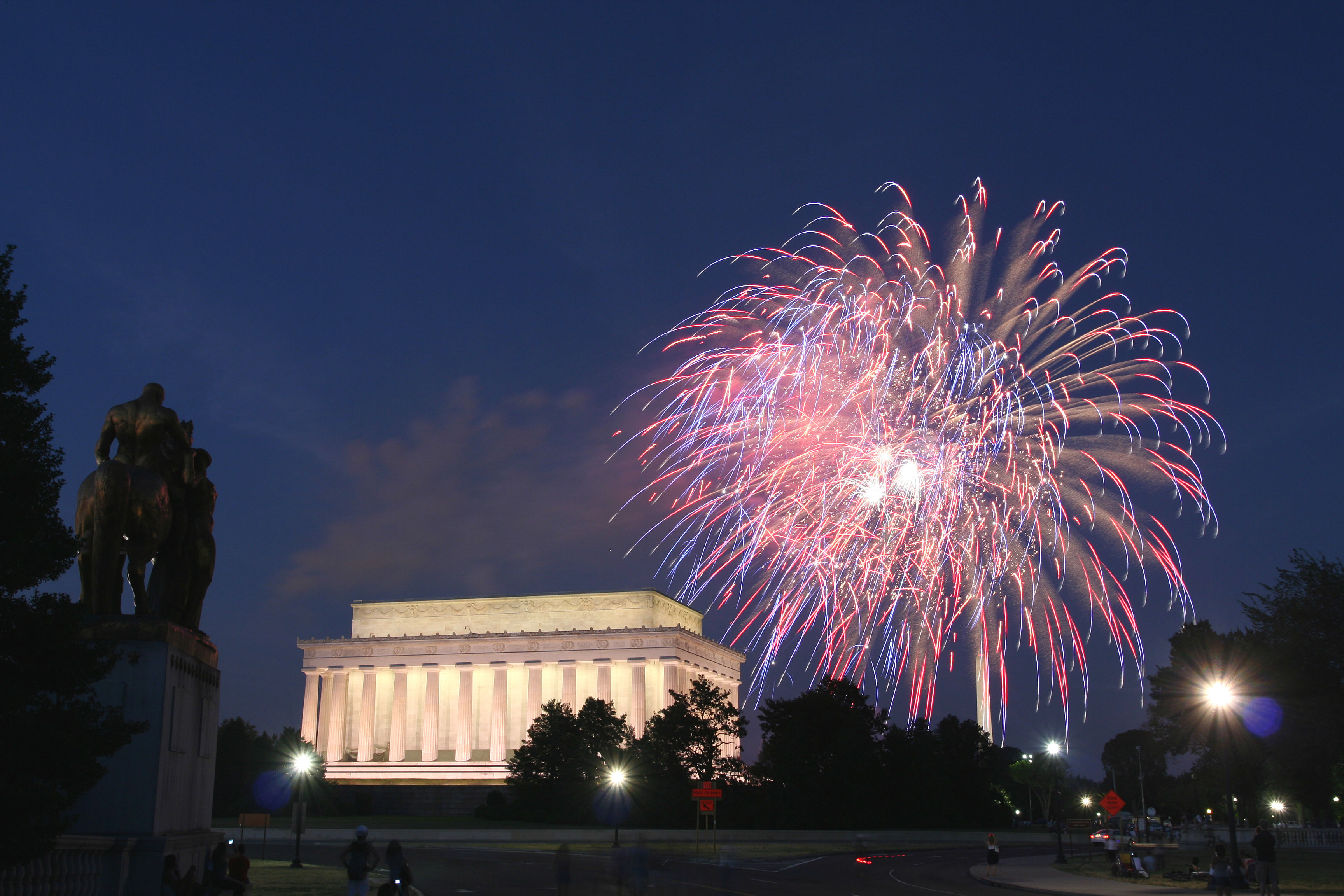 Where to Watch the Best Fireworks in Washington, D.C.