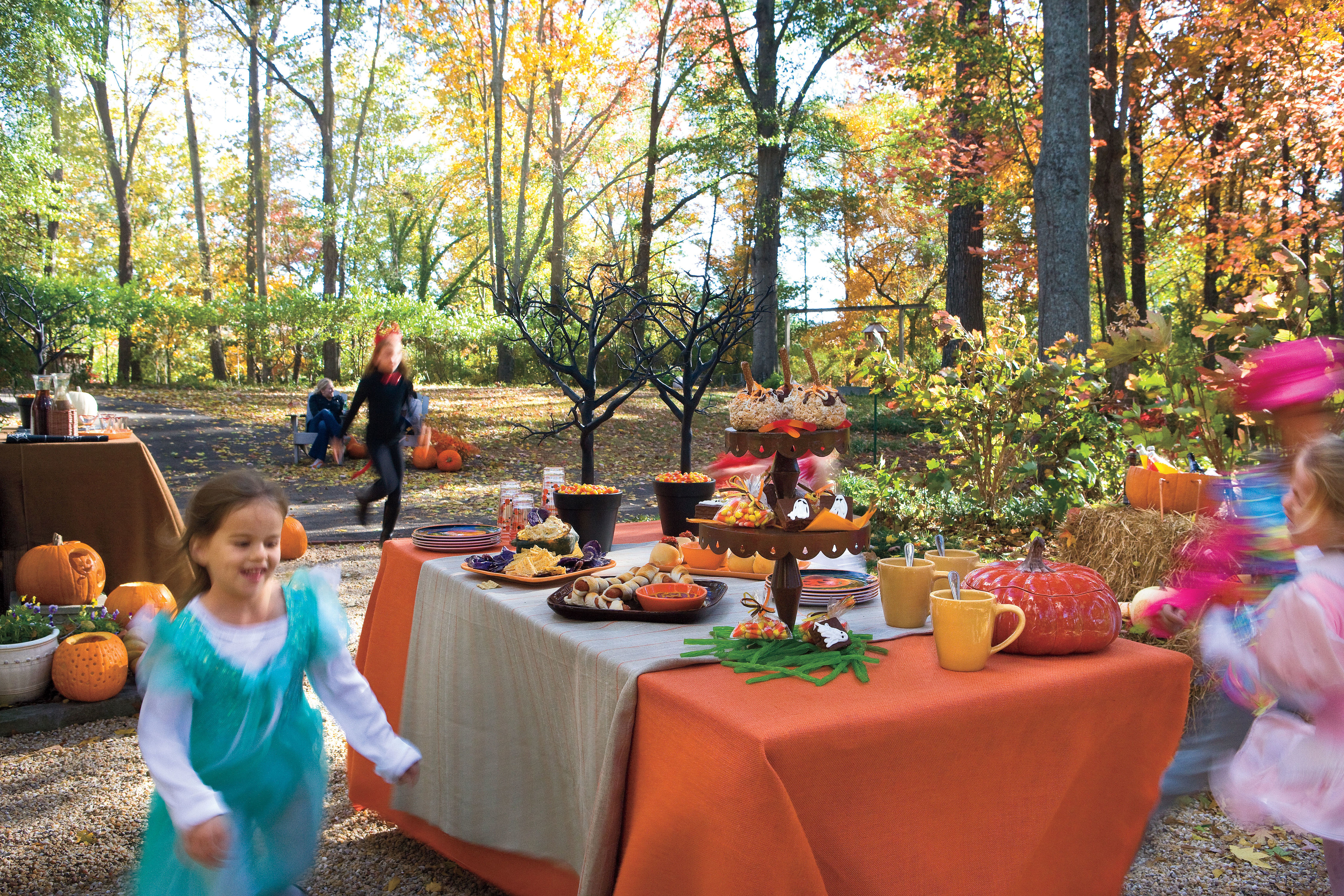 6 Quick Tips Throwing a Halloween Potluck