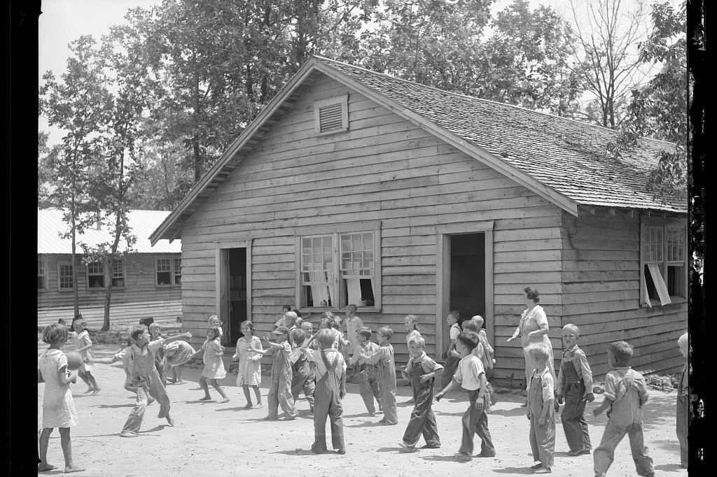 Take a Trip Back in Time with These Photos of Alabama's Skyline Farms