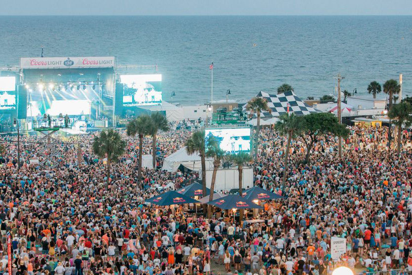7 Reasons You Should Go to the Carolina Country Music Fest