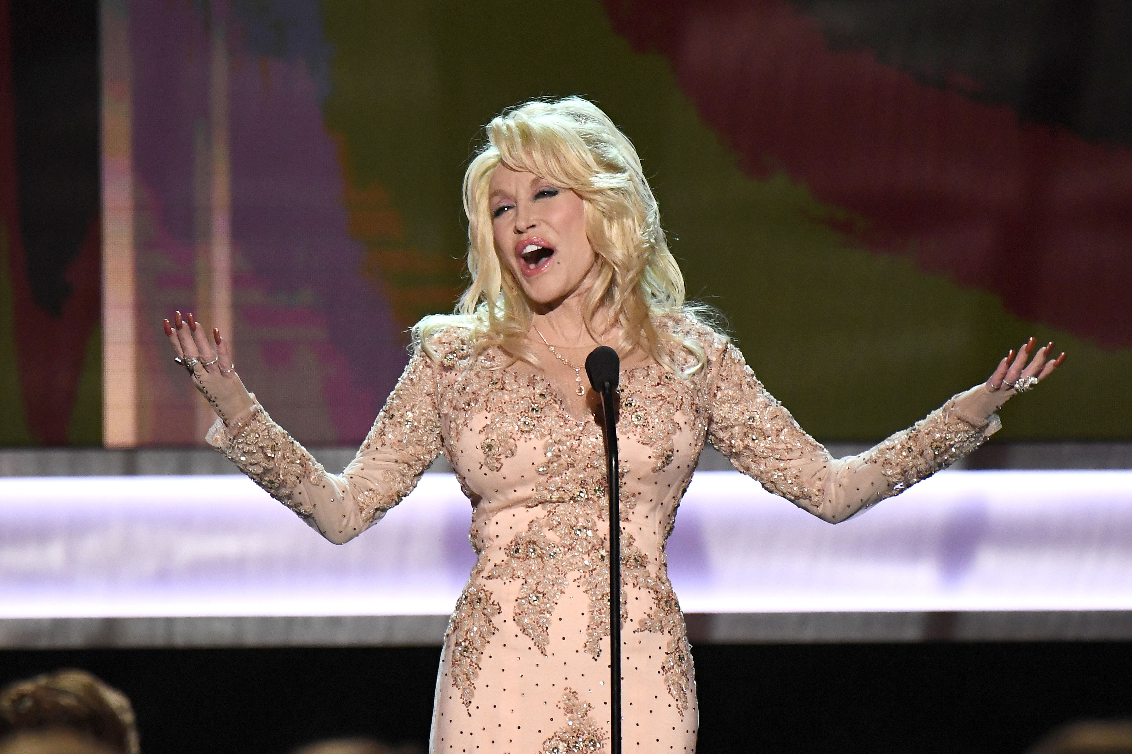 Dolly Parton Shares the Secret Behind her 51-Year Marriage
