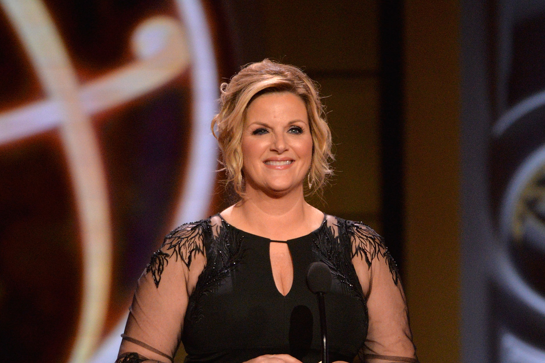 """Trisha Yearwood Shares Her Thoughts on Manchester Attack: """"Music is a Healer"""""""