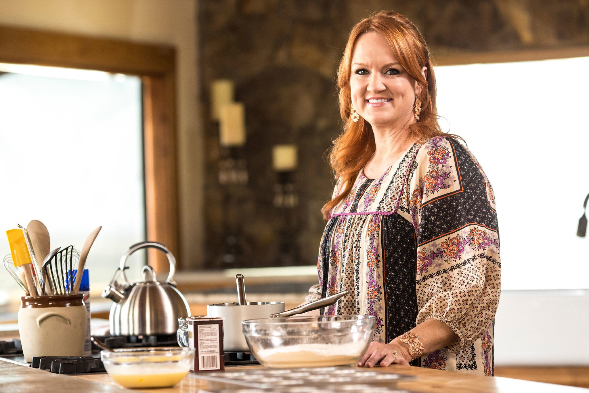 WATCH: How To Make a Party Tray Like Ree Drummond for the Holidays
