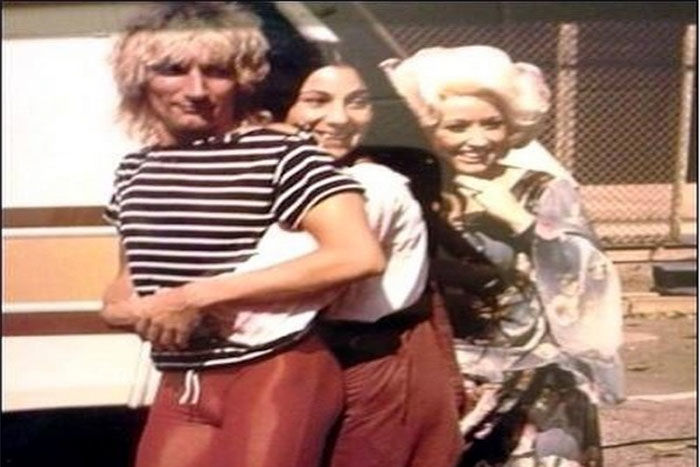 Flashback Friday: Do You Remember This Classic Moment Between Dolly Parton and Cher?
