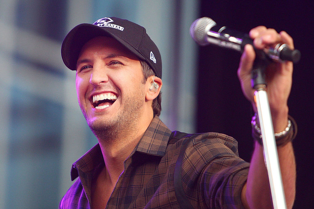 Crash Their Party: Luke Bryan Surprises Georgia Wedding While Filming Idol Nearby