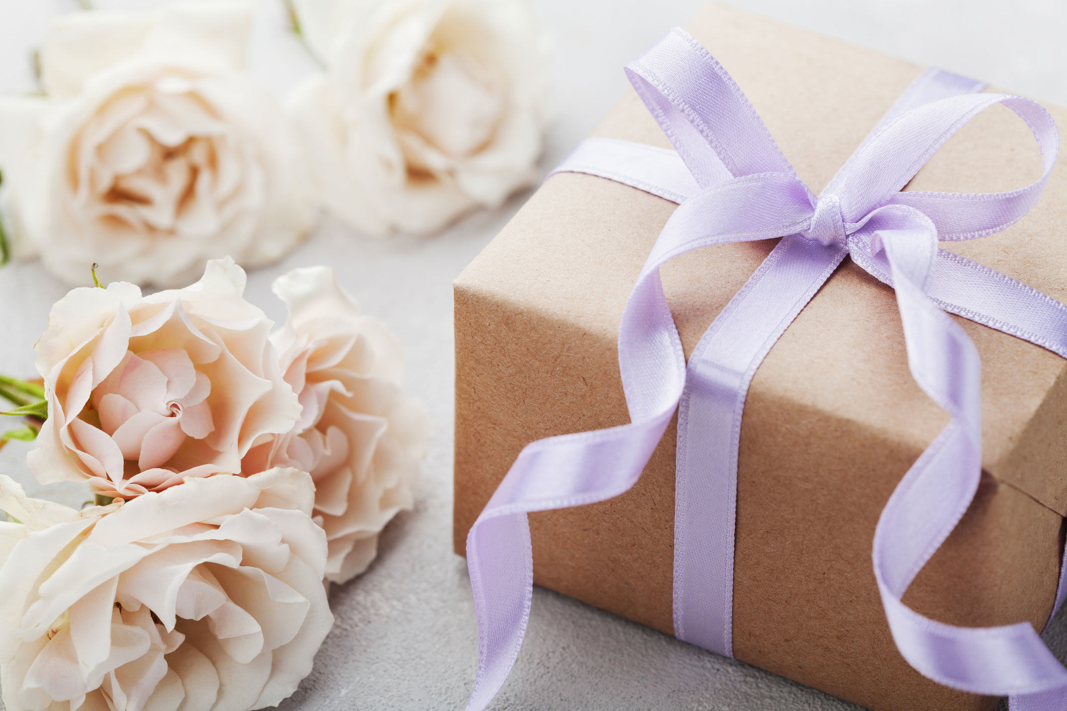 How Long Do You Really Have to Send a Wedding Gift?