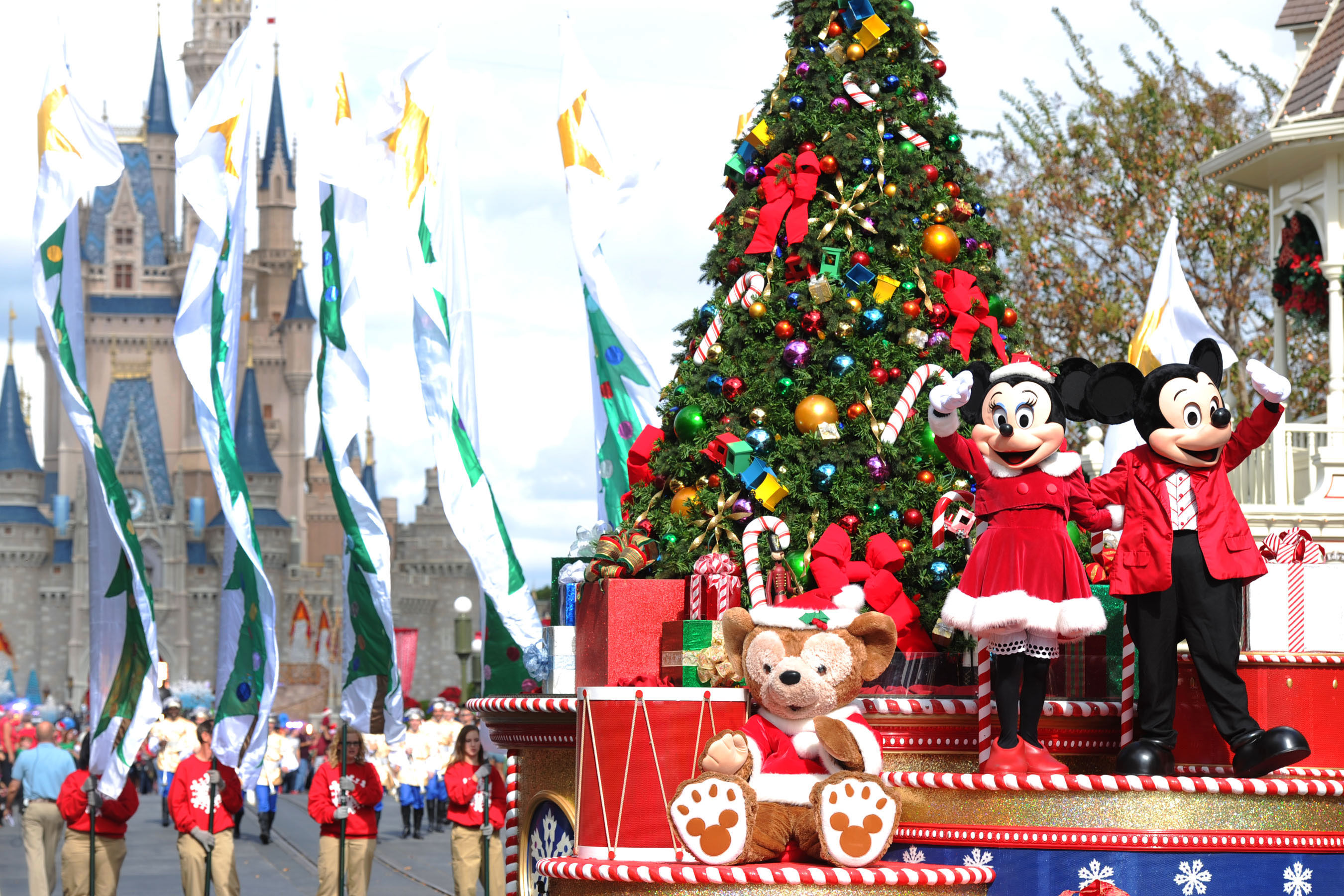 WATCH: Enjoy a Very Walt Disney Christmas with This New Holiday Package