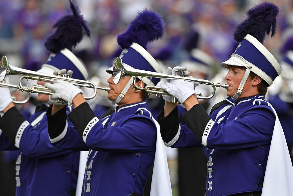 Stranded Kansas State Band Members Throw Impromptu Roadside Concert