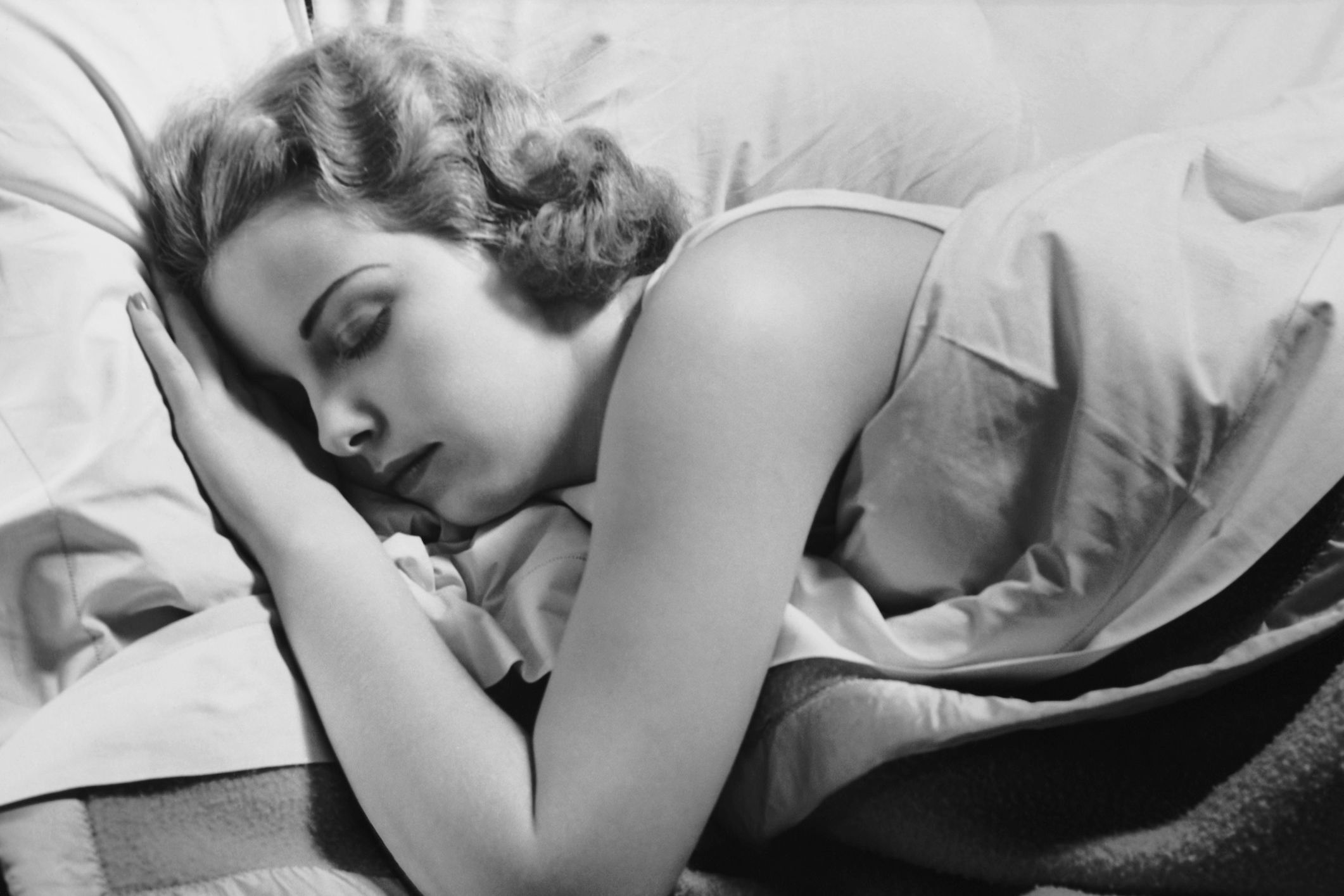 Want To Lose Weight? Try Sleeping In