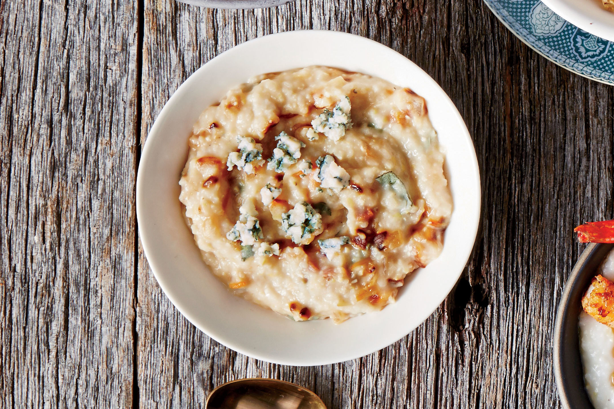 Caramelized Onion and Pancetta Grits Recipe