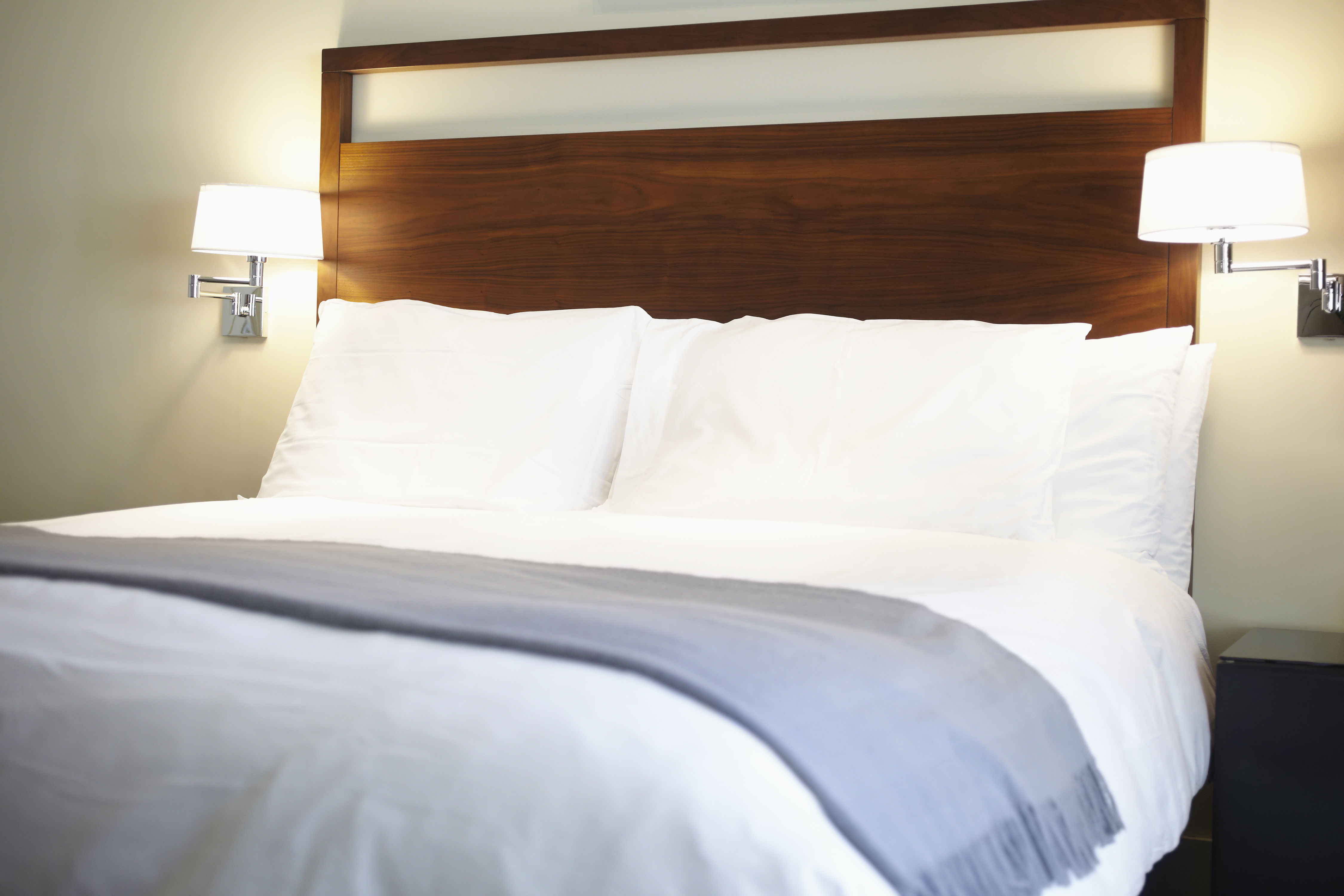 How To Spot Bed Bugs In Your Hotel Before It's Too Late