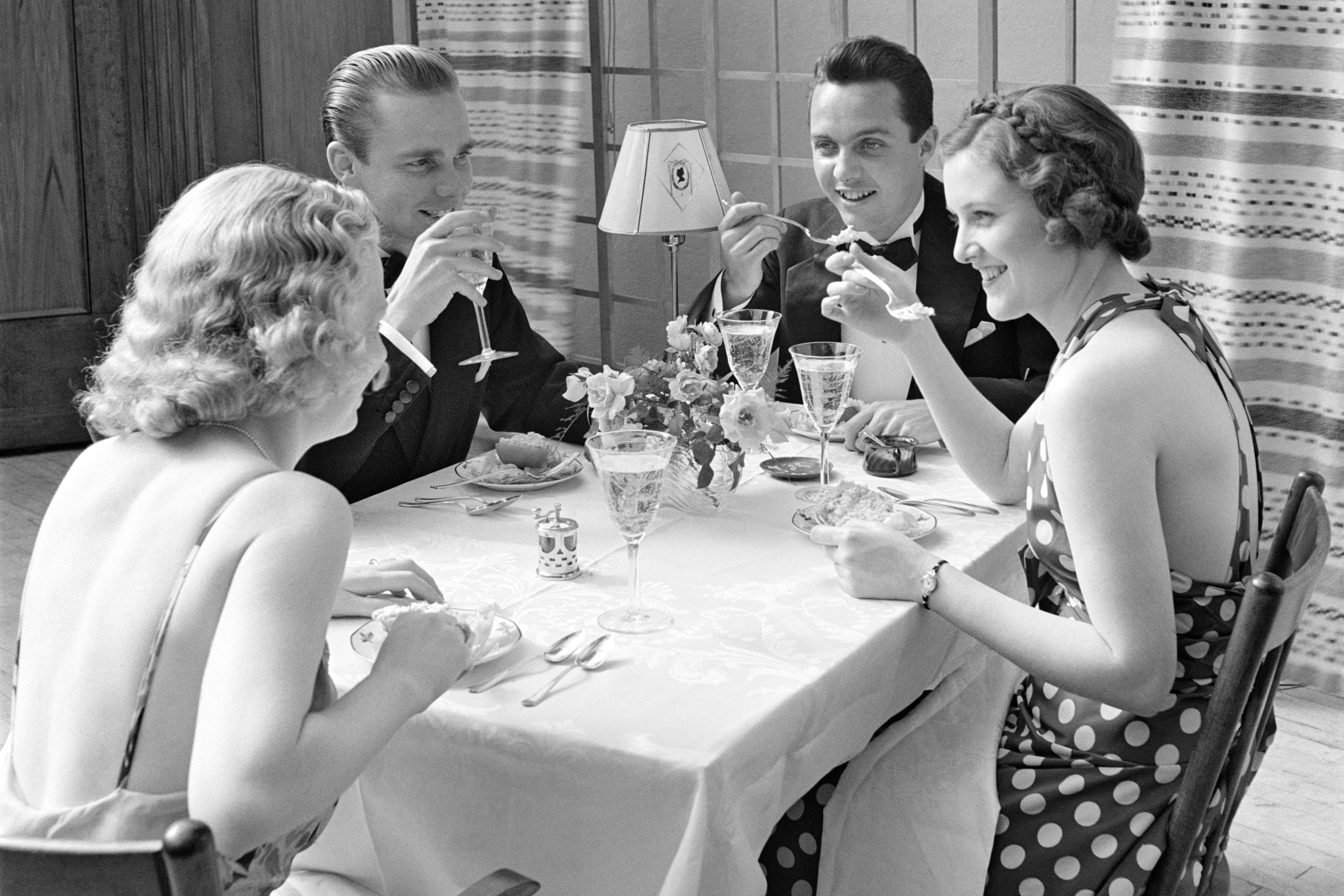 WATCH: An Etiquette Expert Weighs In: This Is The Proper Time To Exit a Dinner Party