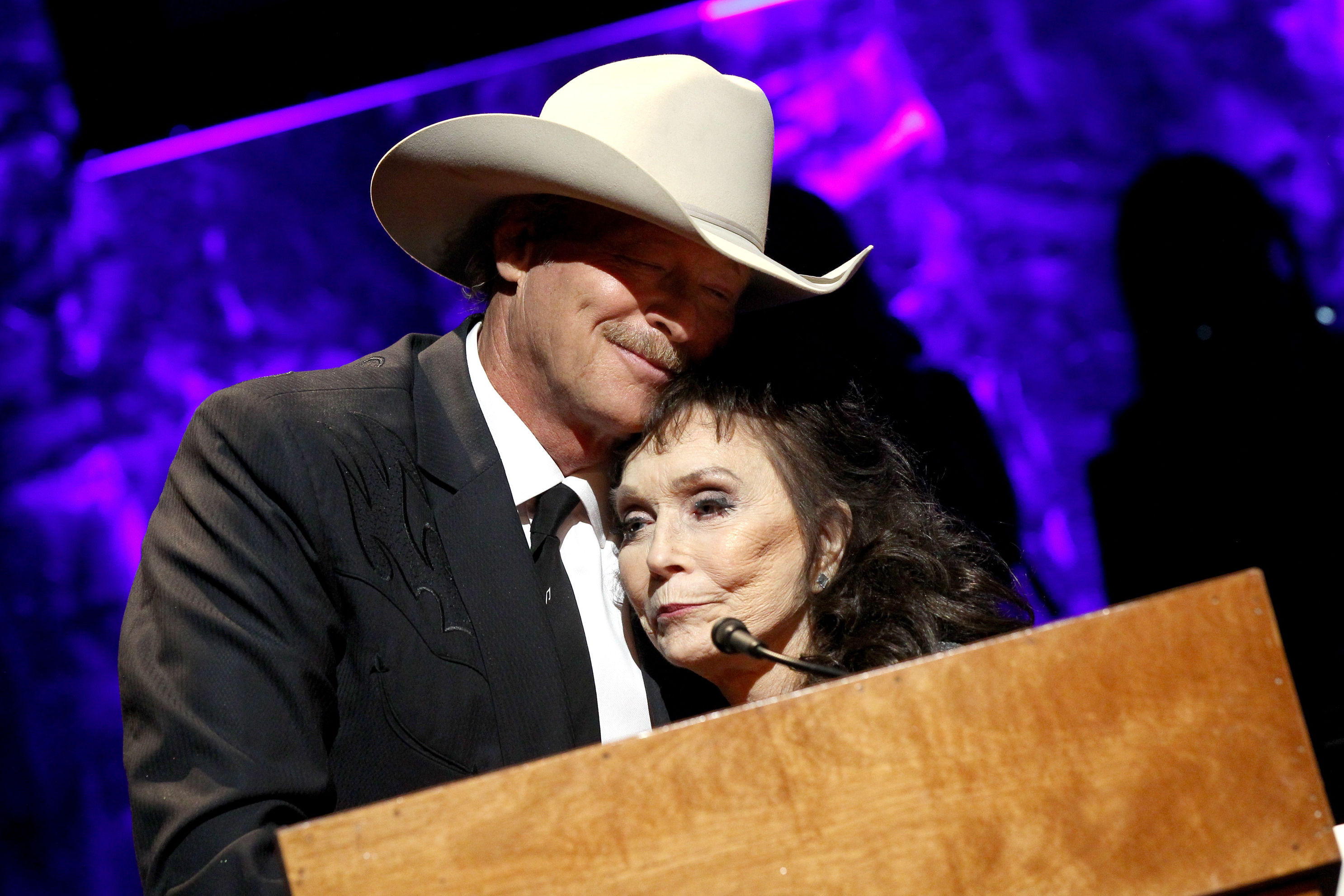 Watch Loretta Lynn's Touching Tribute to Alan Jackson at First Public Appearance After Stroke