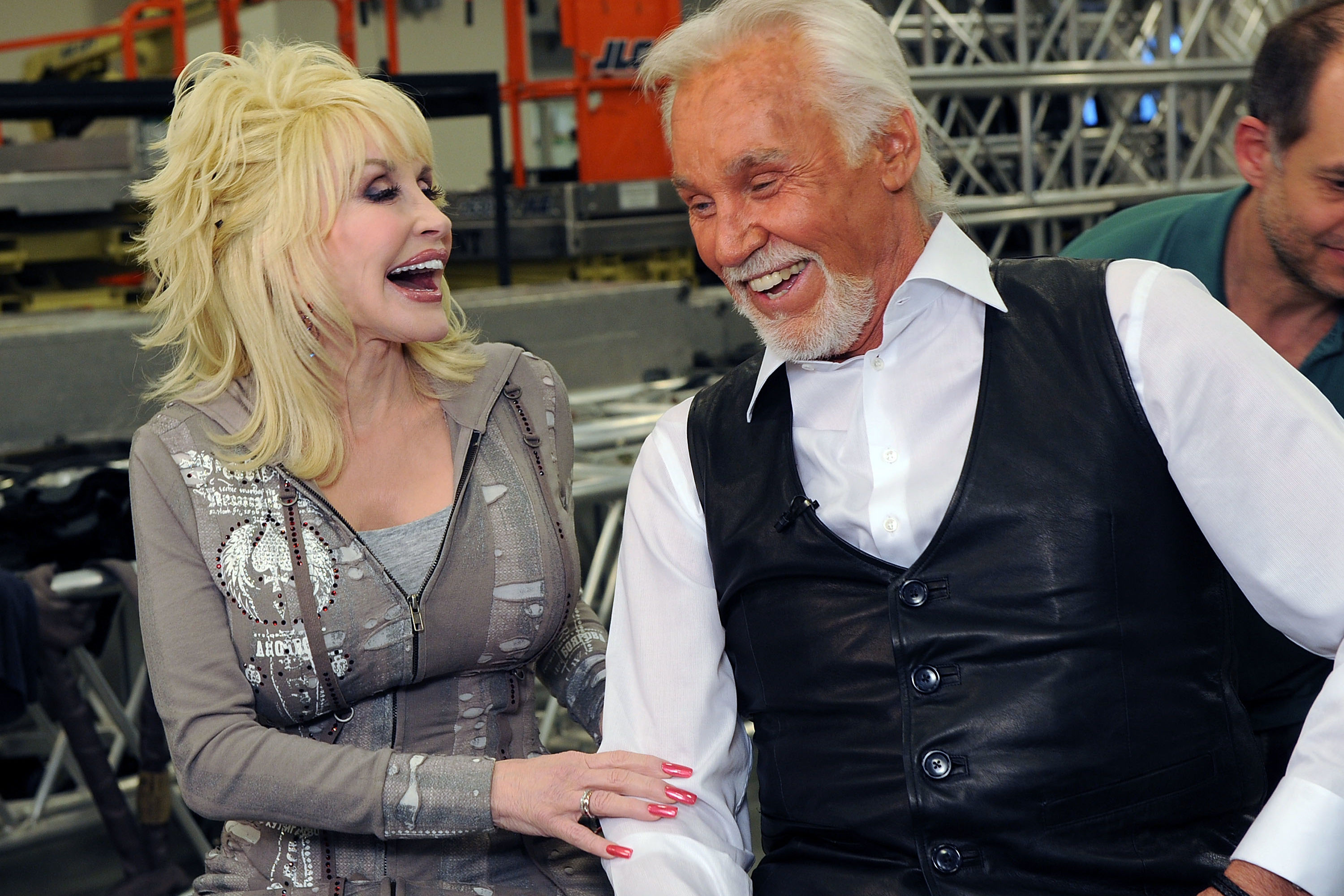 Kenny Rogers and Dolly Parton Drop the Mic on Final Performance: 'I Will Always Love You'
