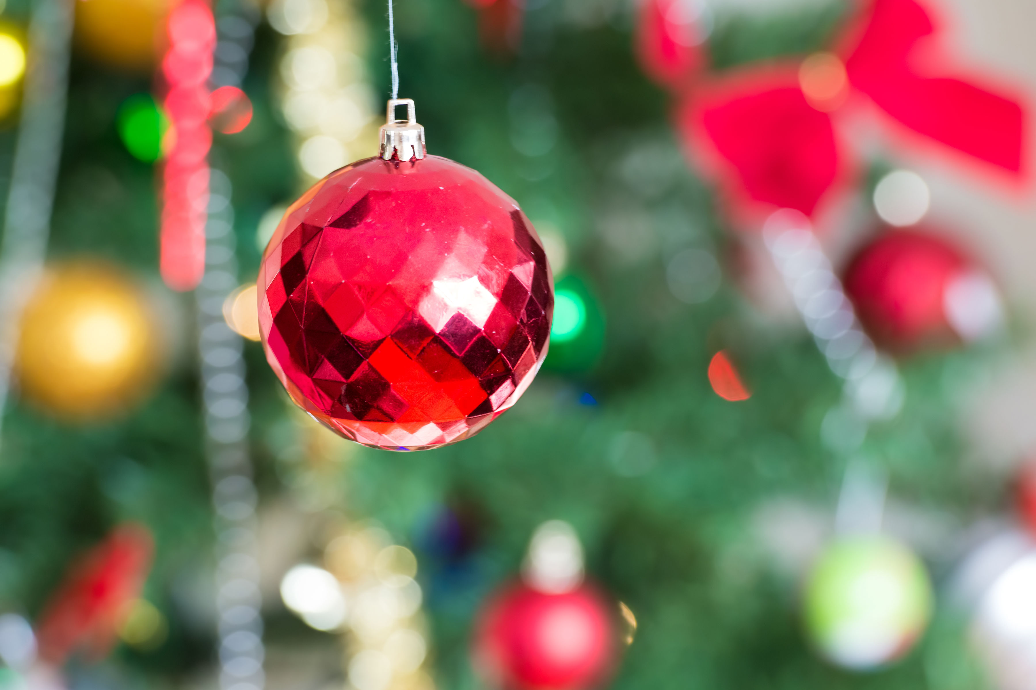 How Red and Green Became the Official Colors of Christmas