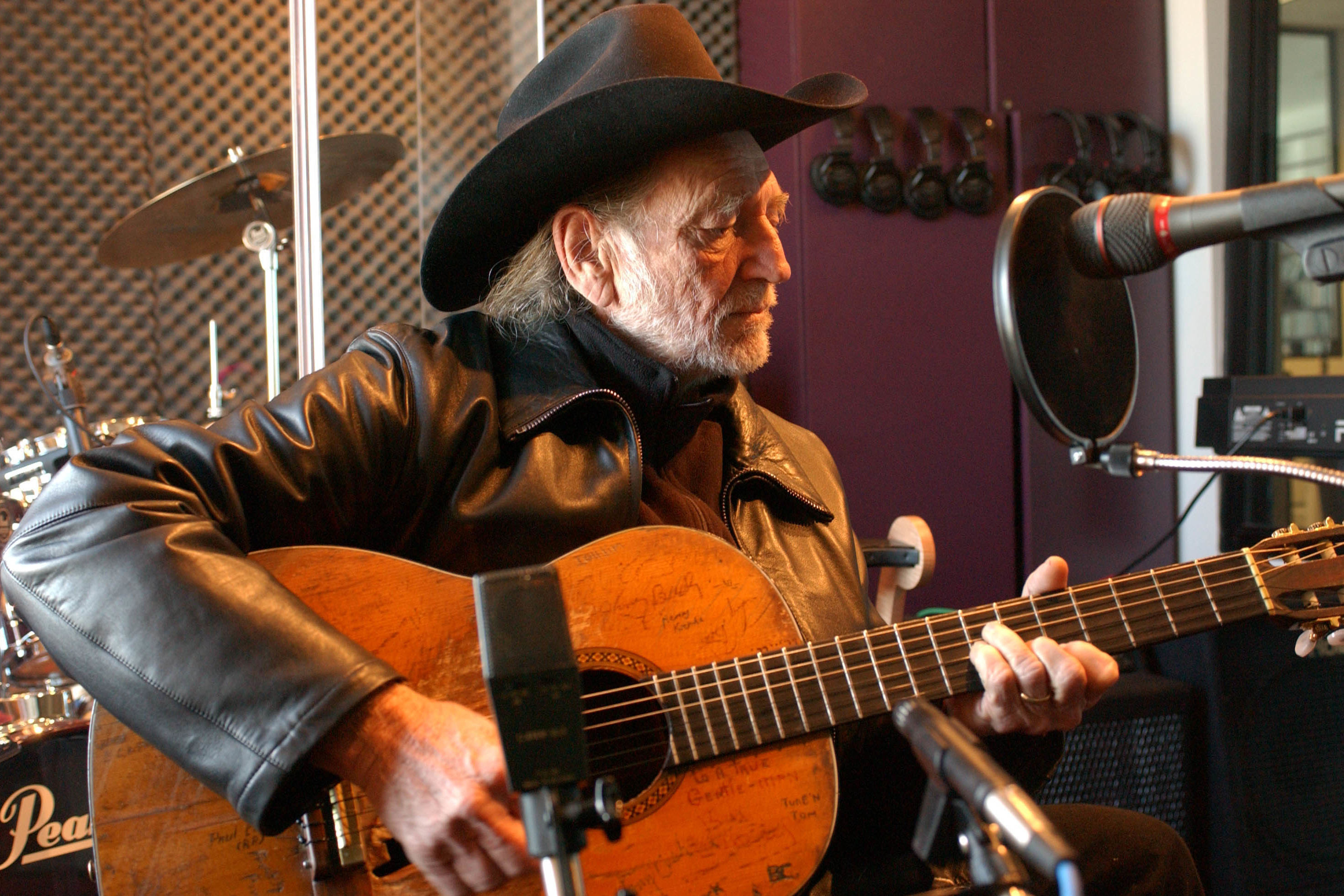 "The True Story Behind Willie Nelson's Moving Christmas Classic, ""Pretty Paper"""