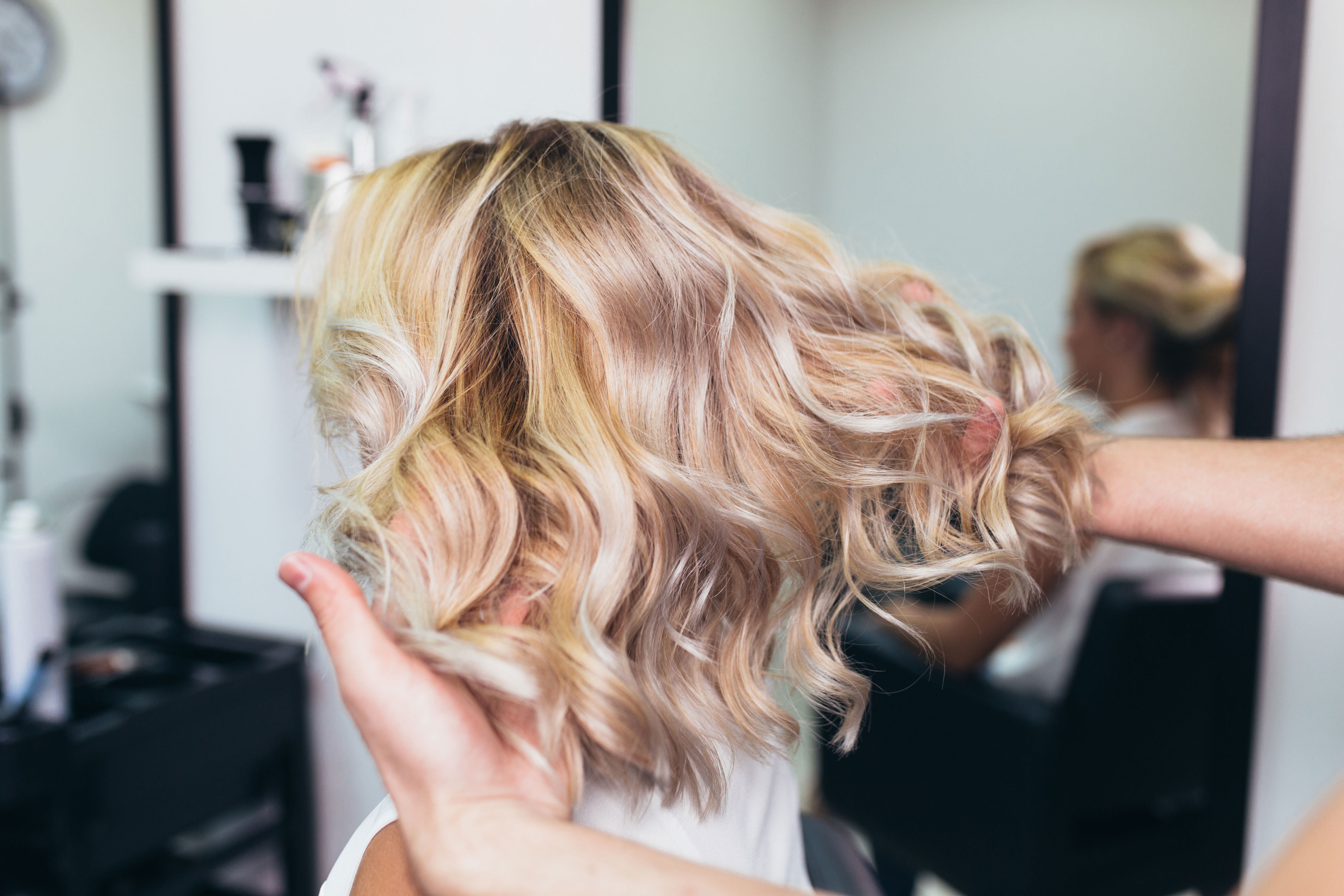 Easy Ways to Boost Dull Hair Color Between Salon Appointments