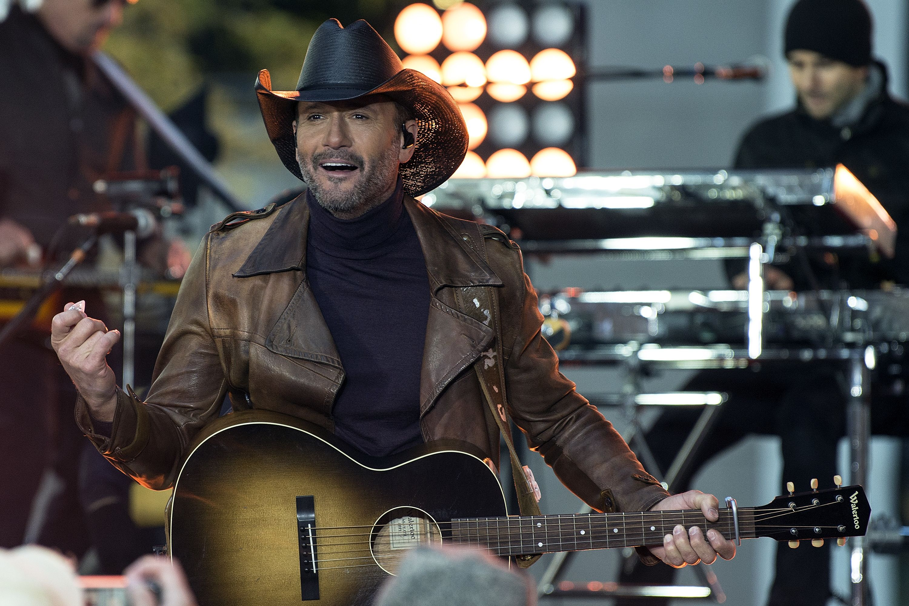 Ever Dreamed of Hanging In Tim McGraw's Tour Bus? Now You Can Buy It