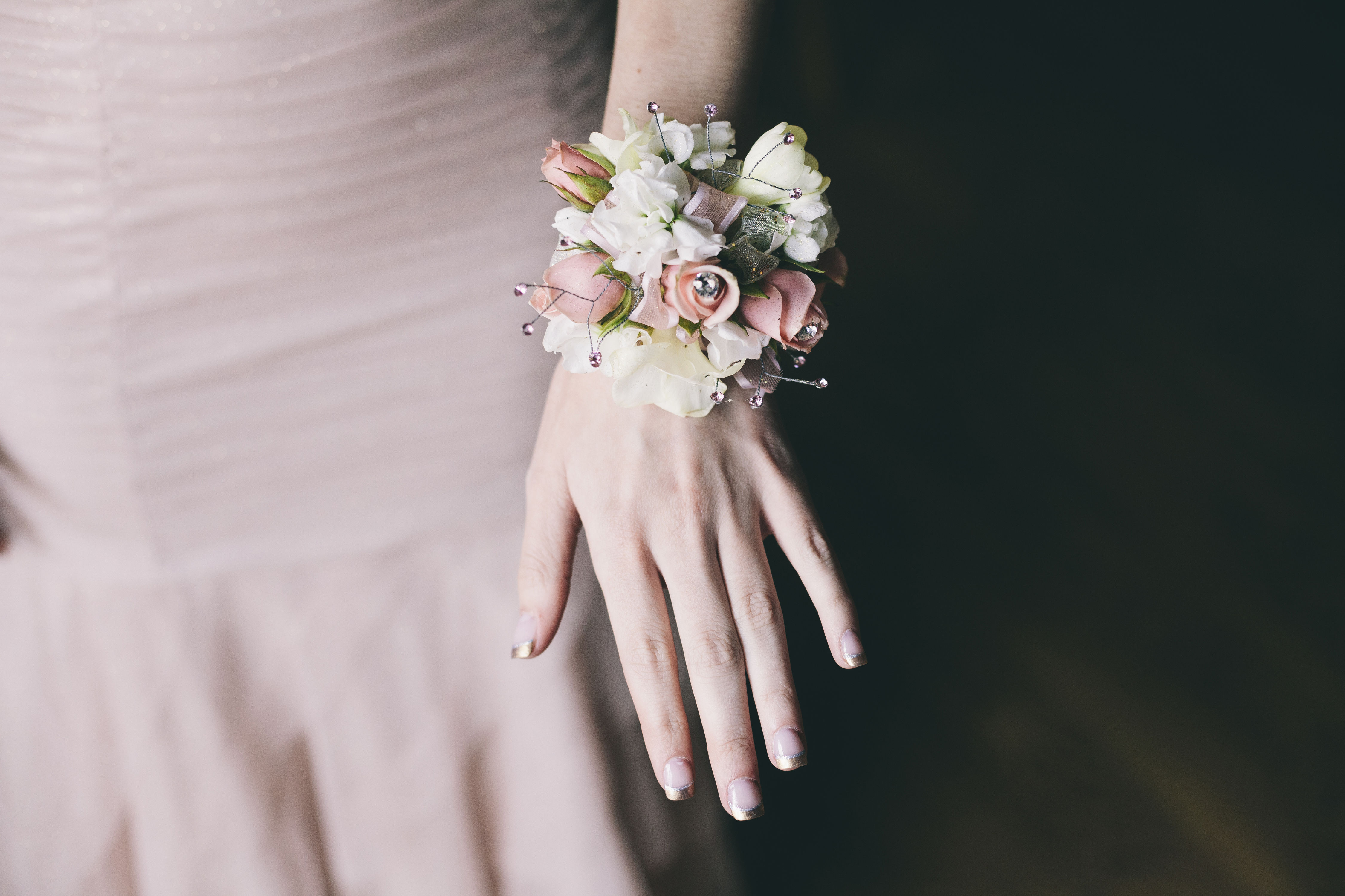 How to Handle the Corsage Conversation Before Prom Night