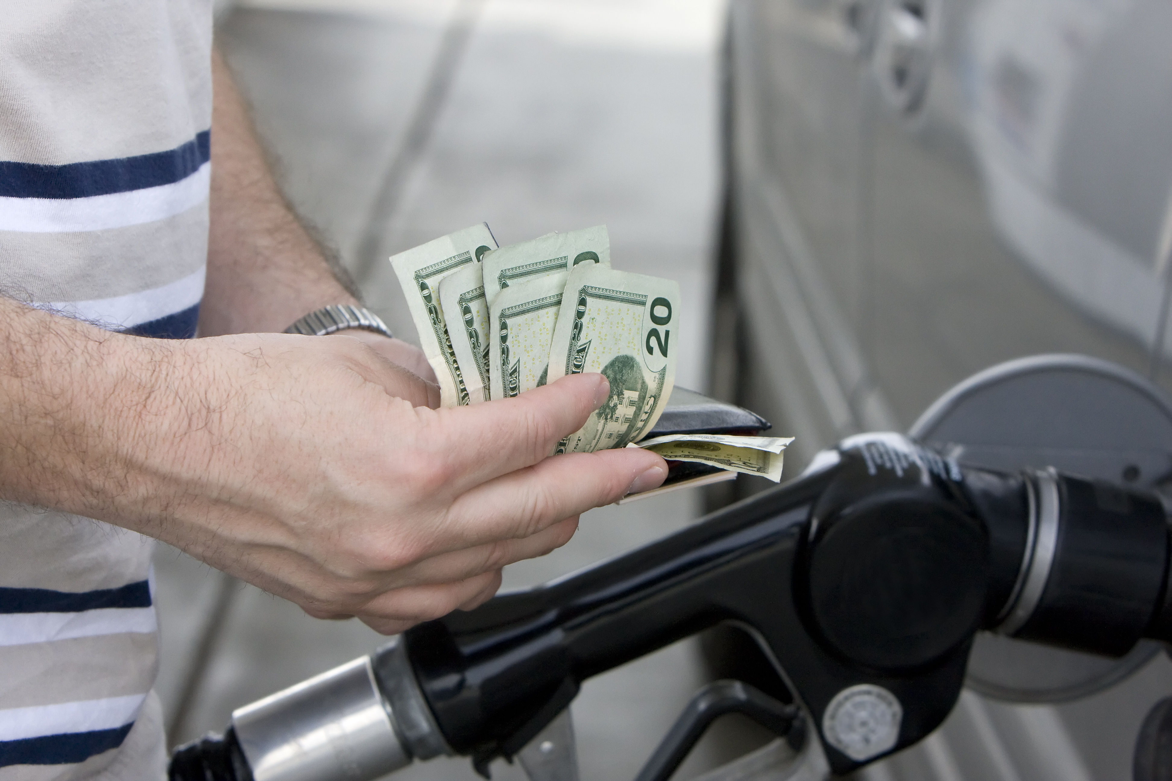 Fill up on This Day of the Week to Save the Most Money on Gas