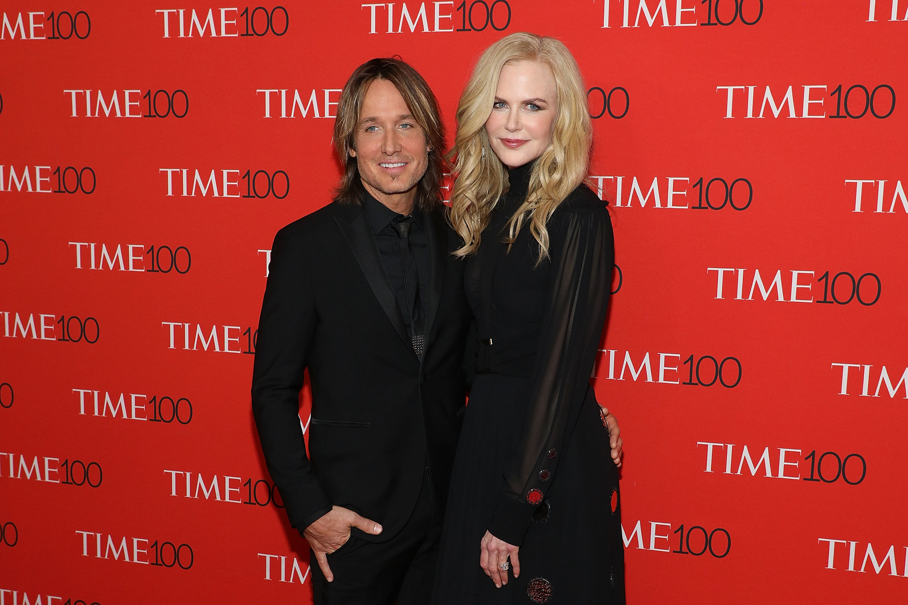 Keith Urban Stuns Crowd by Bringing an Equally-Surprised Nicole Kidman Onstage