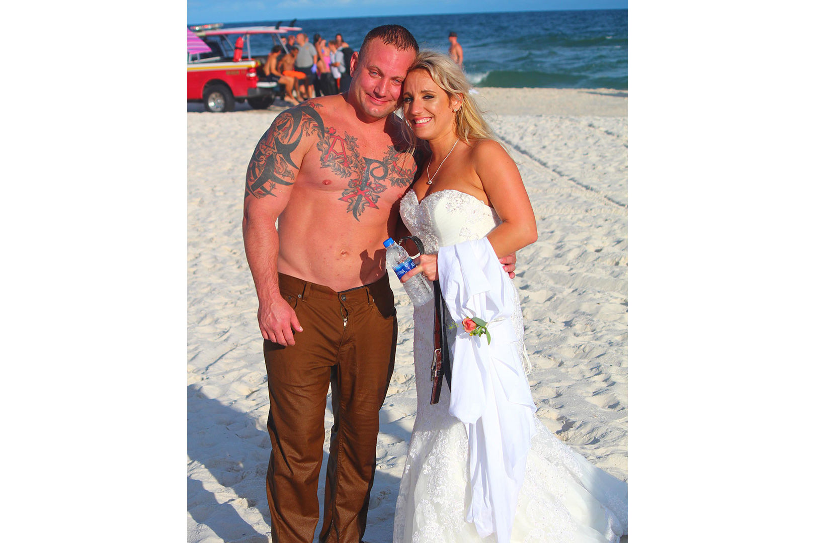 Hero Alabama Groom Strips Down to Save Drowning Teen During Wedding Photos
