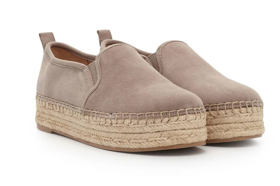 These Are The Best Shoes for Transitioning from Summer to Fall