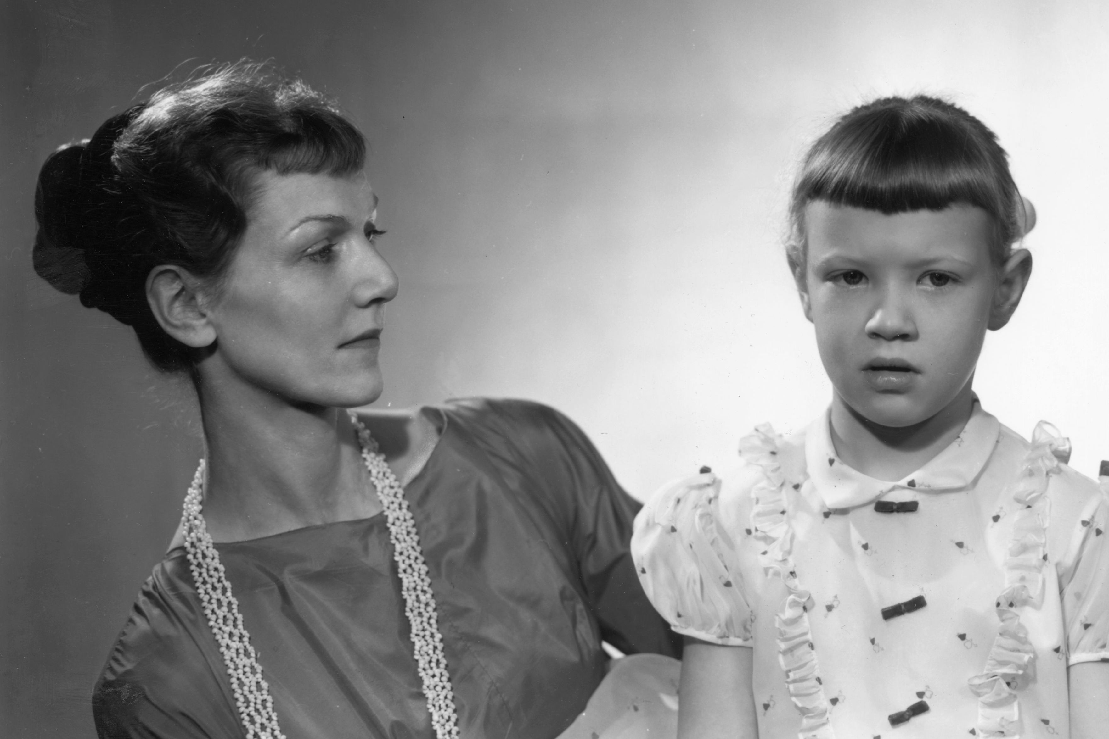 Nagging Mamas Raise Successful Daughters, According to Science