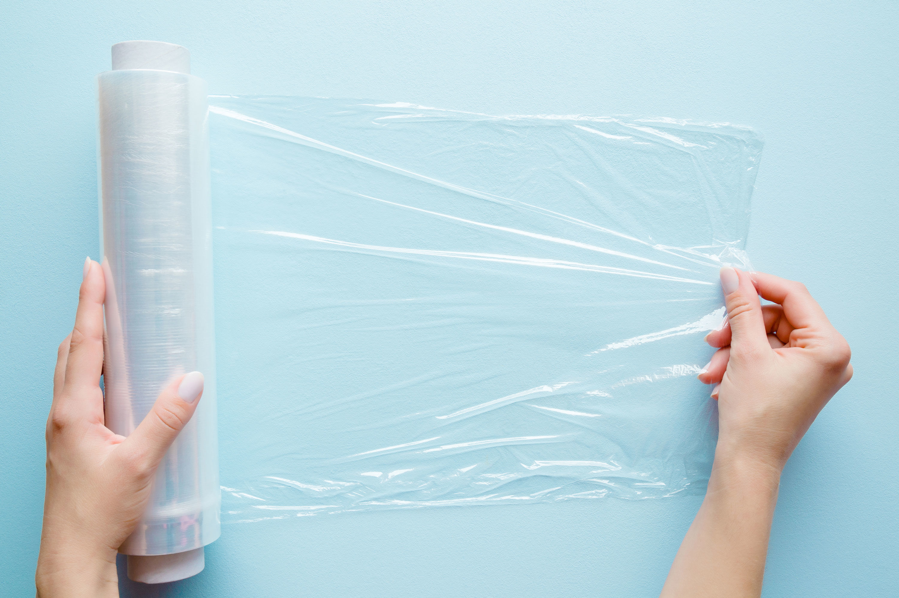 Why You Should Store Your Plastic Wrap In The Freezer