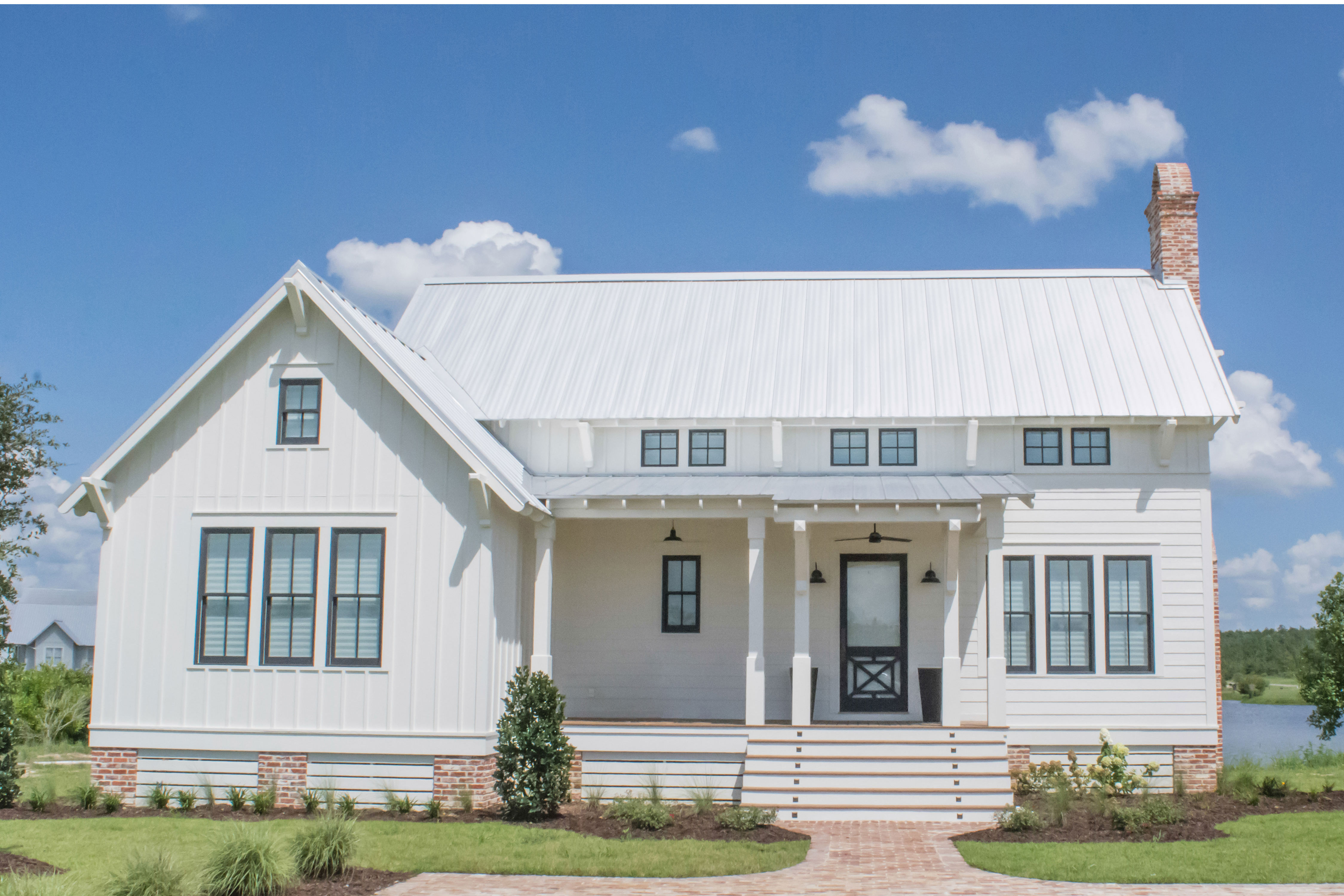 Farmhouse and Cottage Lovers, Rejoice: We've Found the House Plan of Your Dreams!
