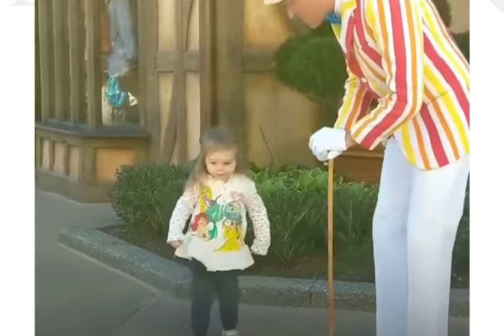 Two-Year-Old Disney World Visitor Wows Crowds with <i>Mary Poppins</i> Dance