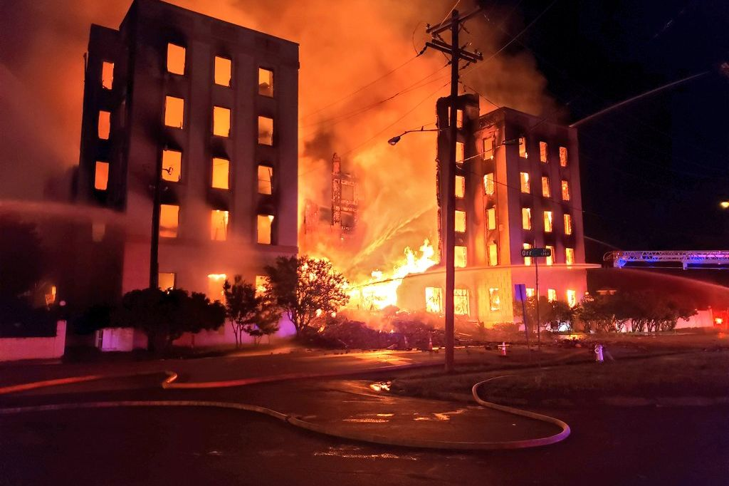 Ambassador Hotel, Dallas' Oldest Hotel, Burns to the Ground