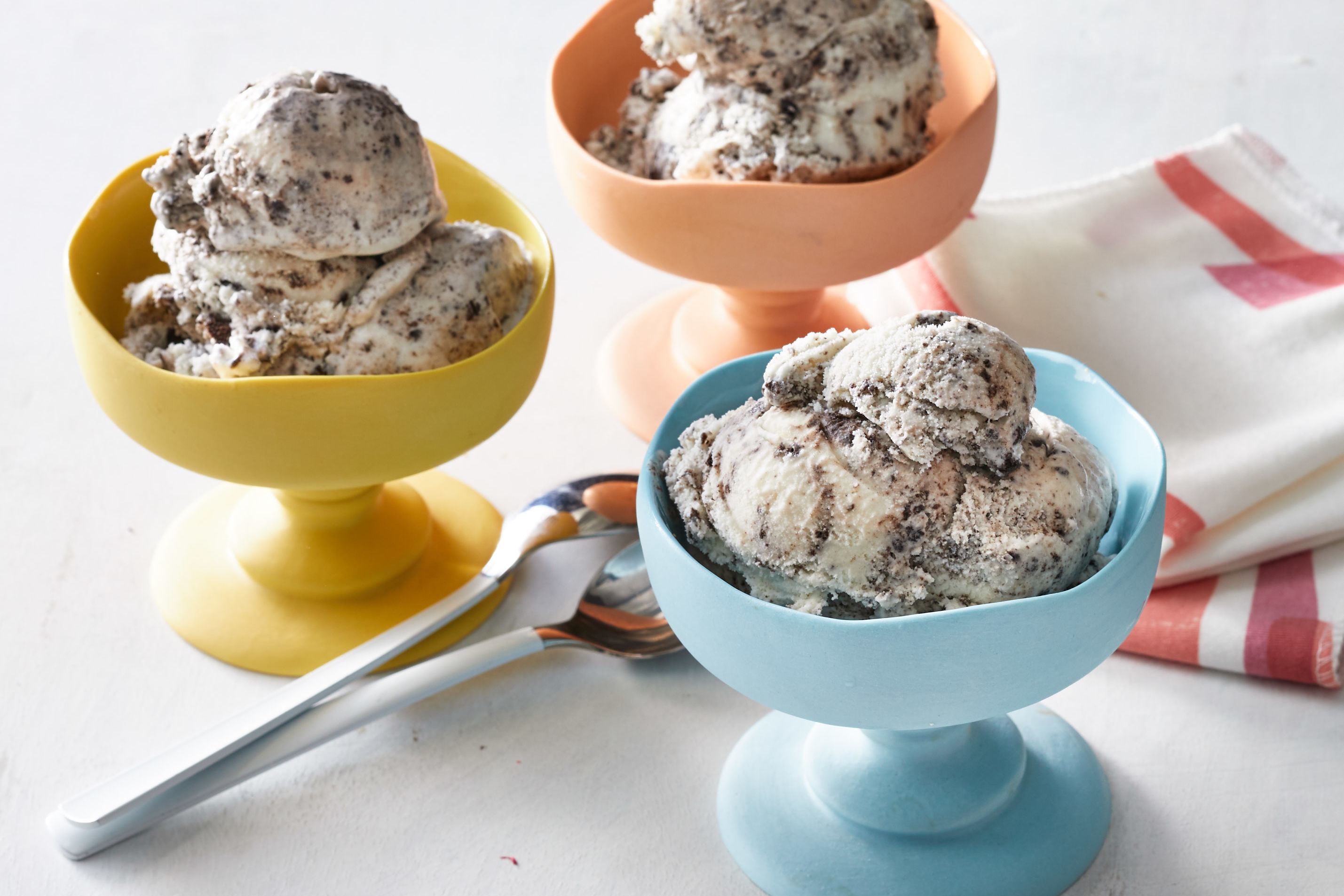 Homemade Cookies-and-Cream Ice Cream