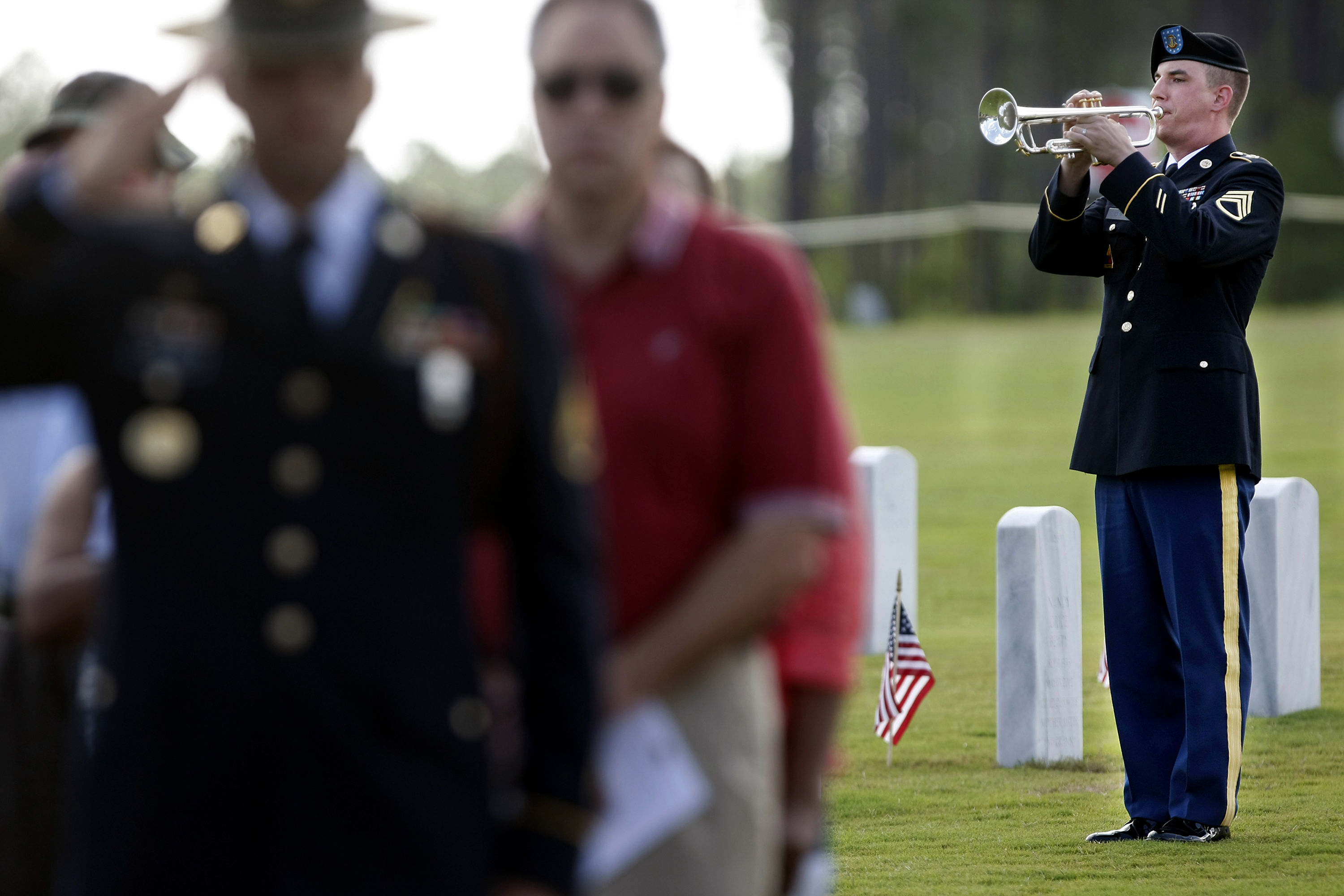 "Dozens of Strangers Gather to Honor Unclaimed Veterans Buried Among ""Family"""