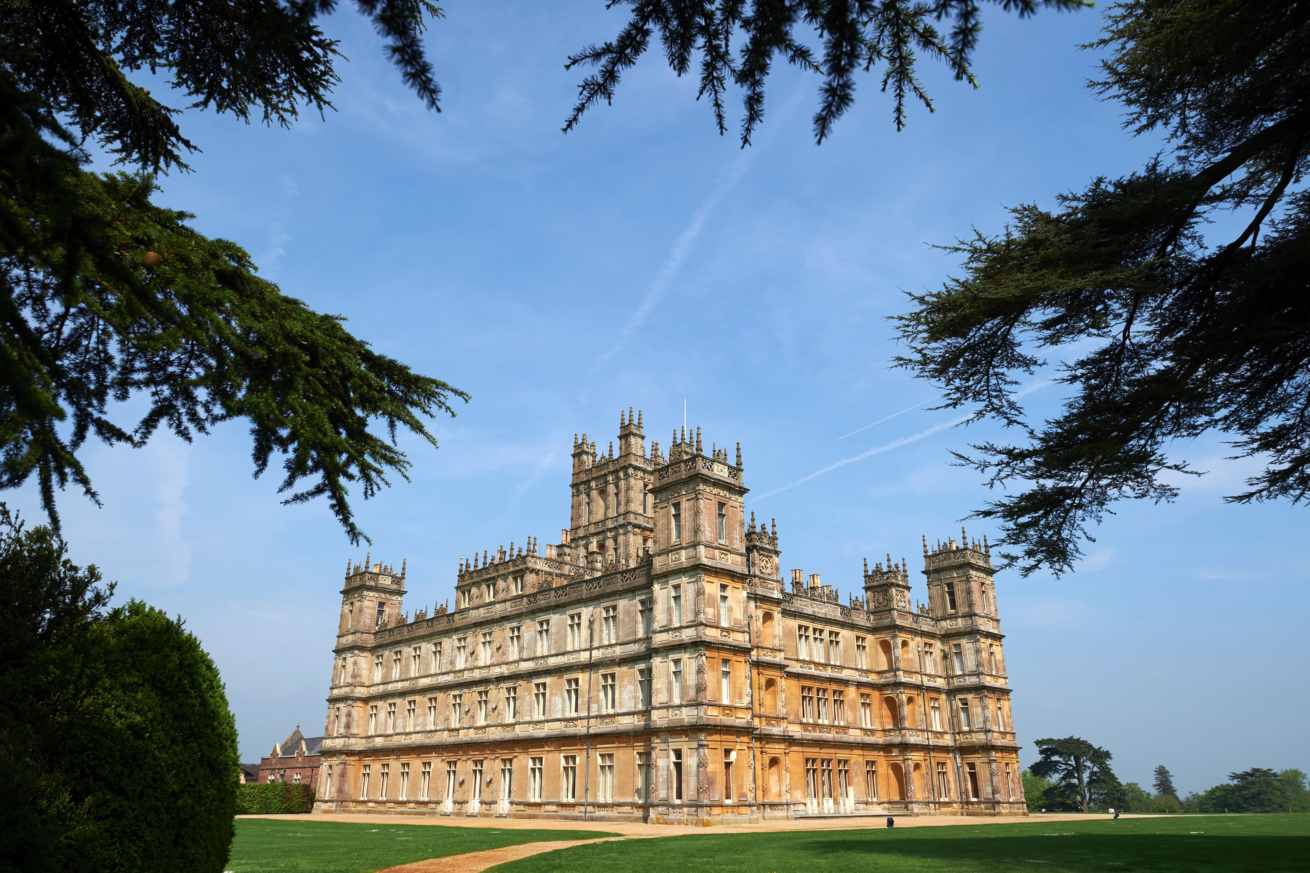 Downton Abbey Is About to Become The Hottest Property on Airbnb
