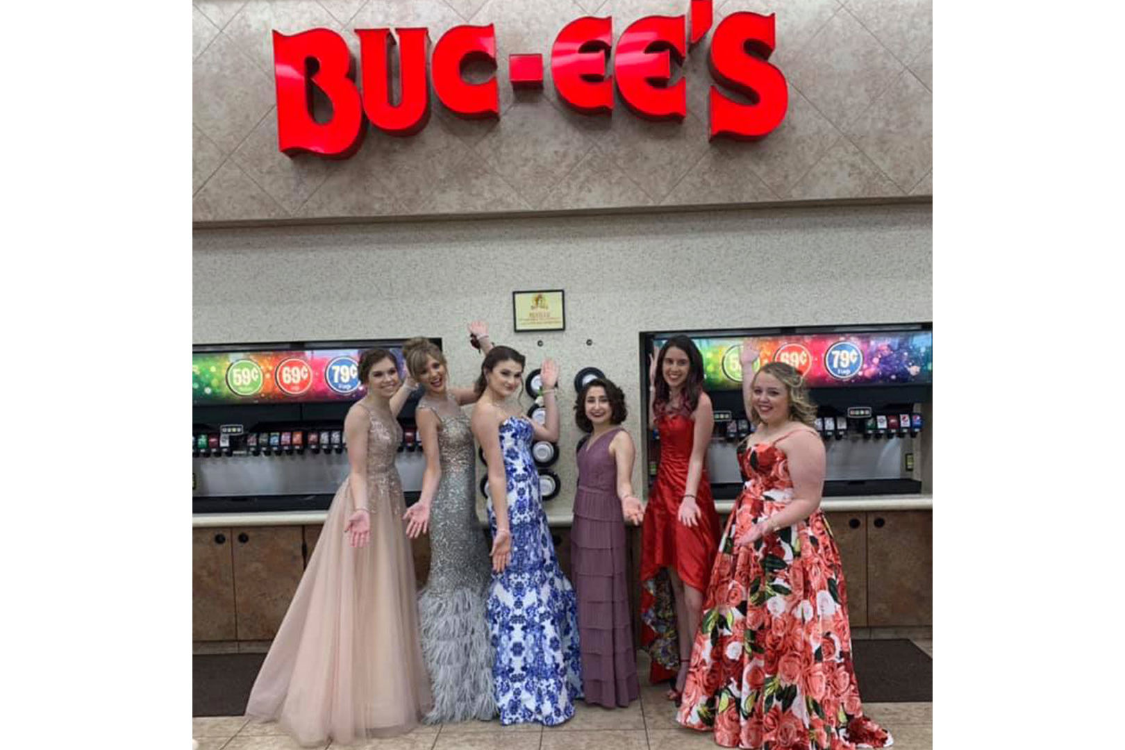 Texas Teens Pose for Prom Photos at Buc-ee's