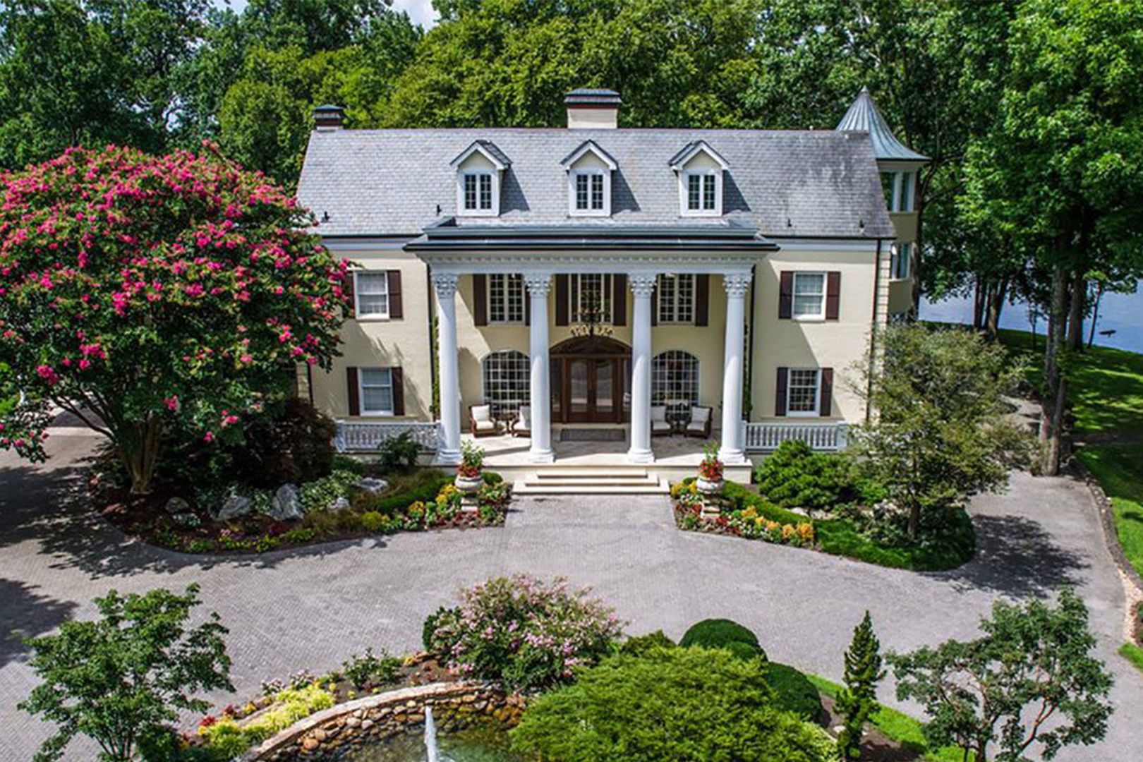 For a Pretty Penny, You Can Rent Reba McEntire's Former Lakefront Mansion