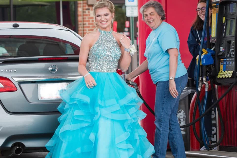North Carolina Teen Finds Gas Station Fairy Godmother Amidst Bumpy Start to Prom Night