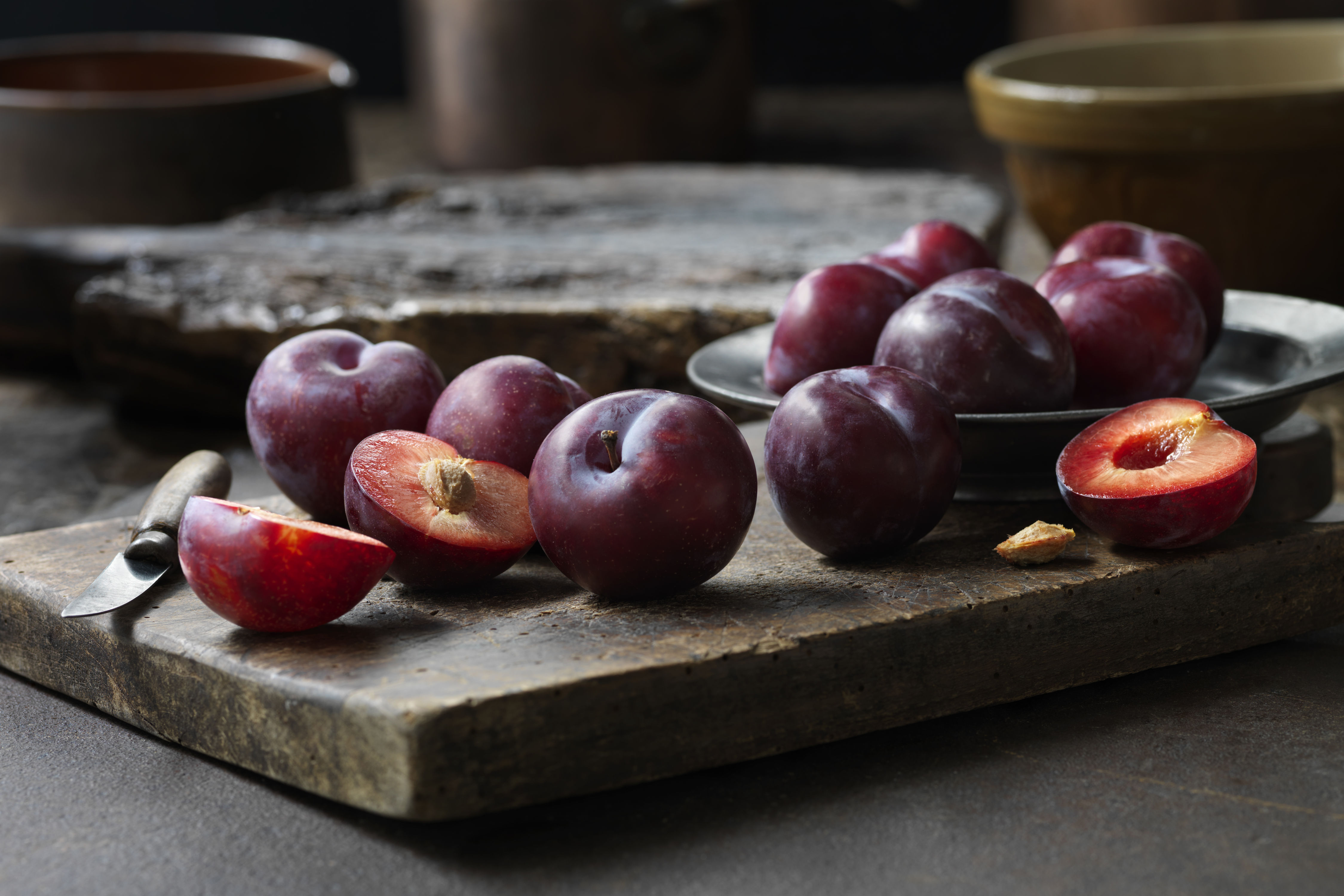 How To Peel Plums