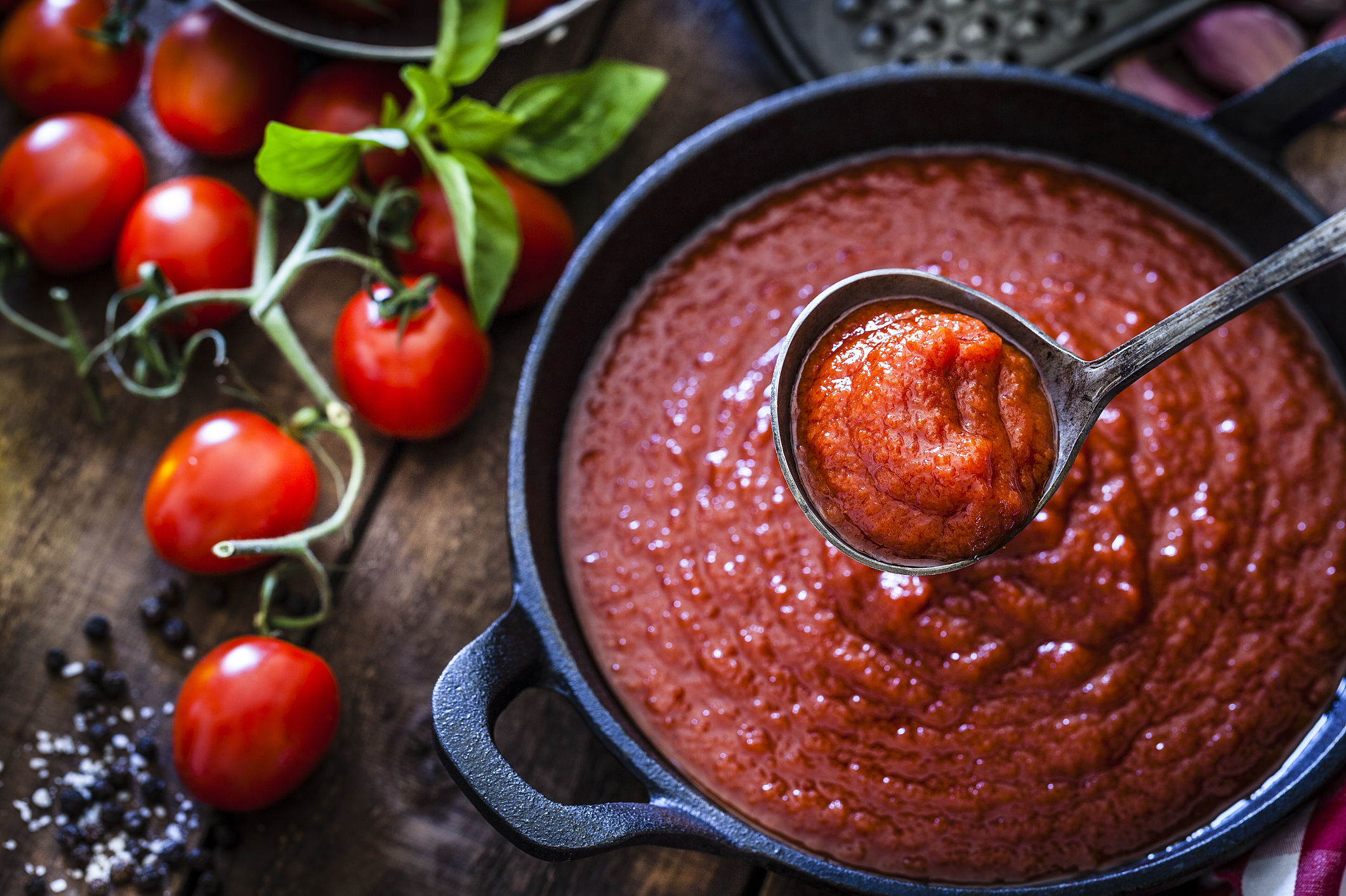 7 Ways to Make Homemade Tomato Sauce Even Better