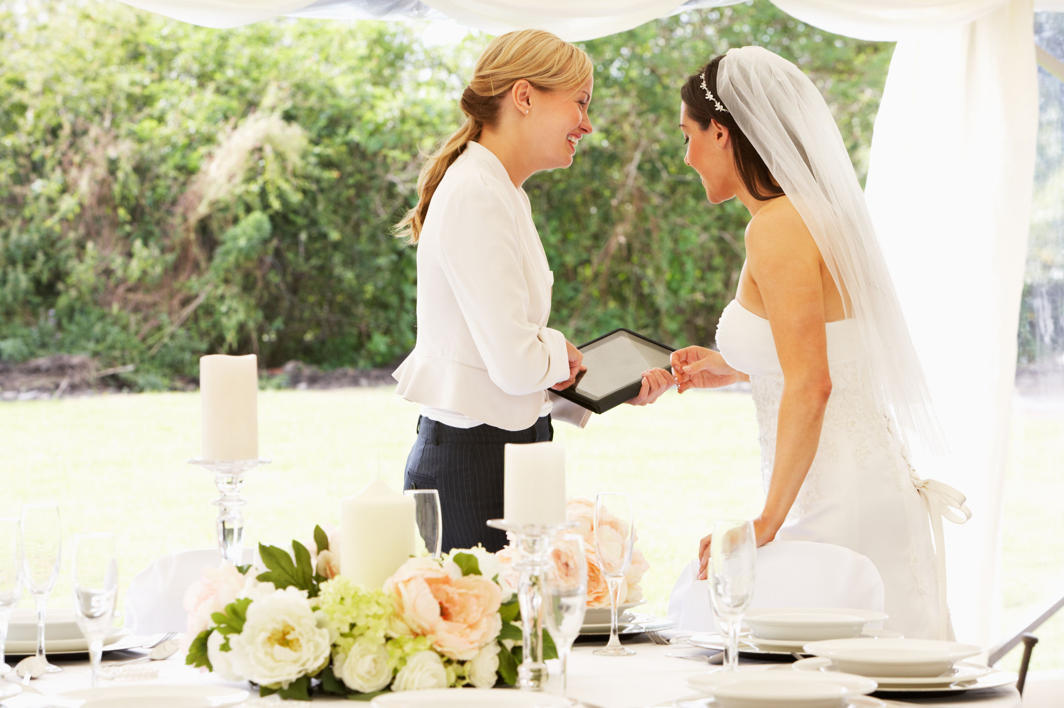 Should You Tip Your Wedding Planner?