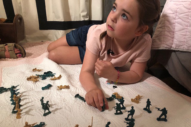 """Why Do You Not Make Girl Army Men?"" 6-Year-Old Arkansas Girl Asks in Letter to Toy Companies"